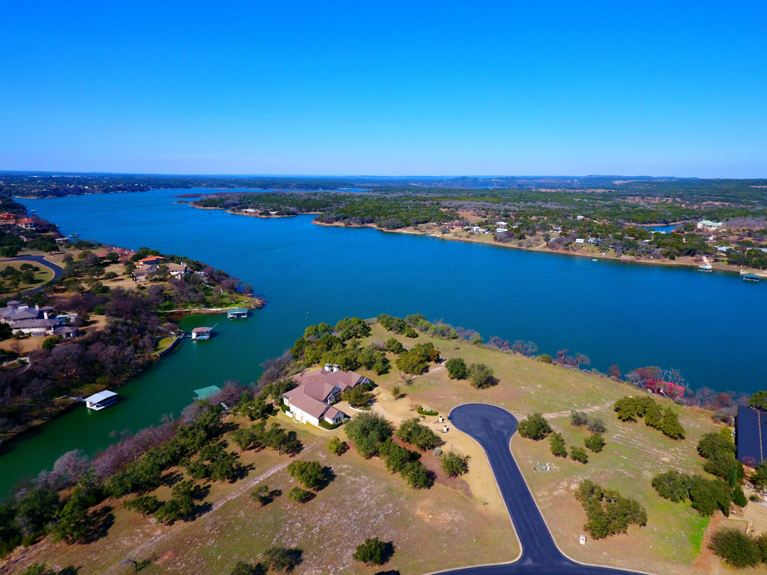 Single Family Home for Sale at 25209 Chernosky Point Cv, Spicewood Spicewood, Texas 78669 United States