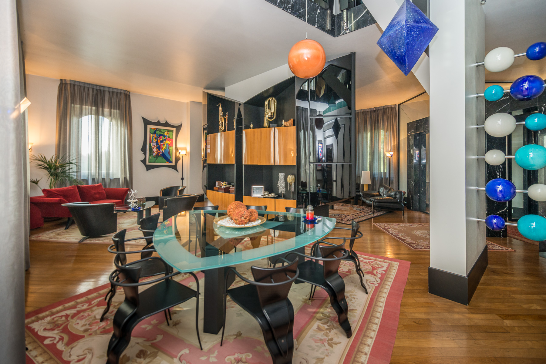 Additional photo for property listing at Prestigious historical villa close to Milan Via Friuli Cesano Maderno, Monza Brianza 20811 Italien