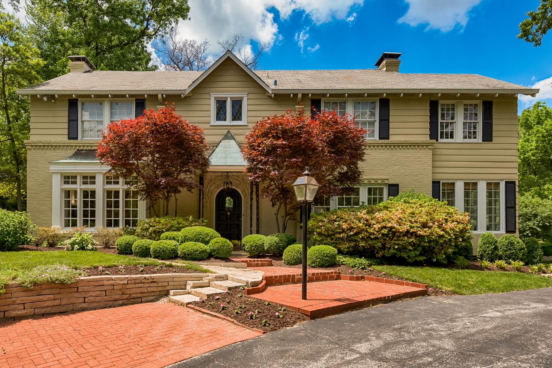 Single Family Home for Sale at Oakleigh Lane 13 Oakleigh Lane Ladue, Missouri, 63124 United States