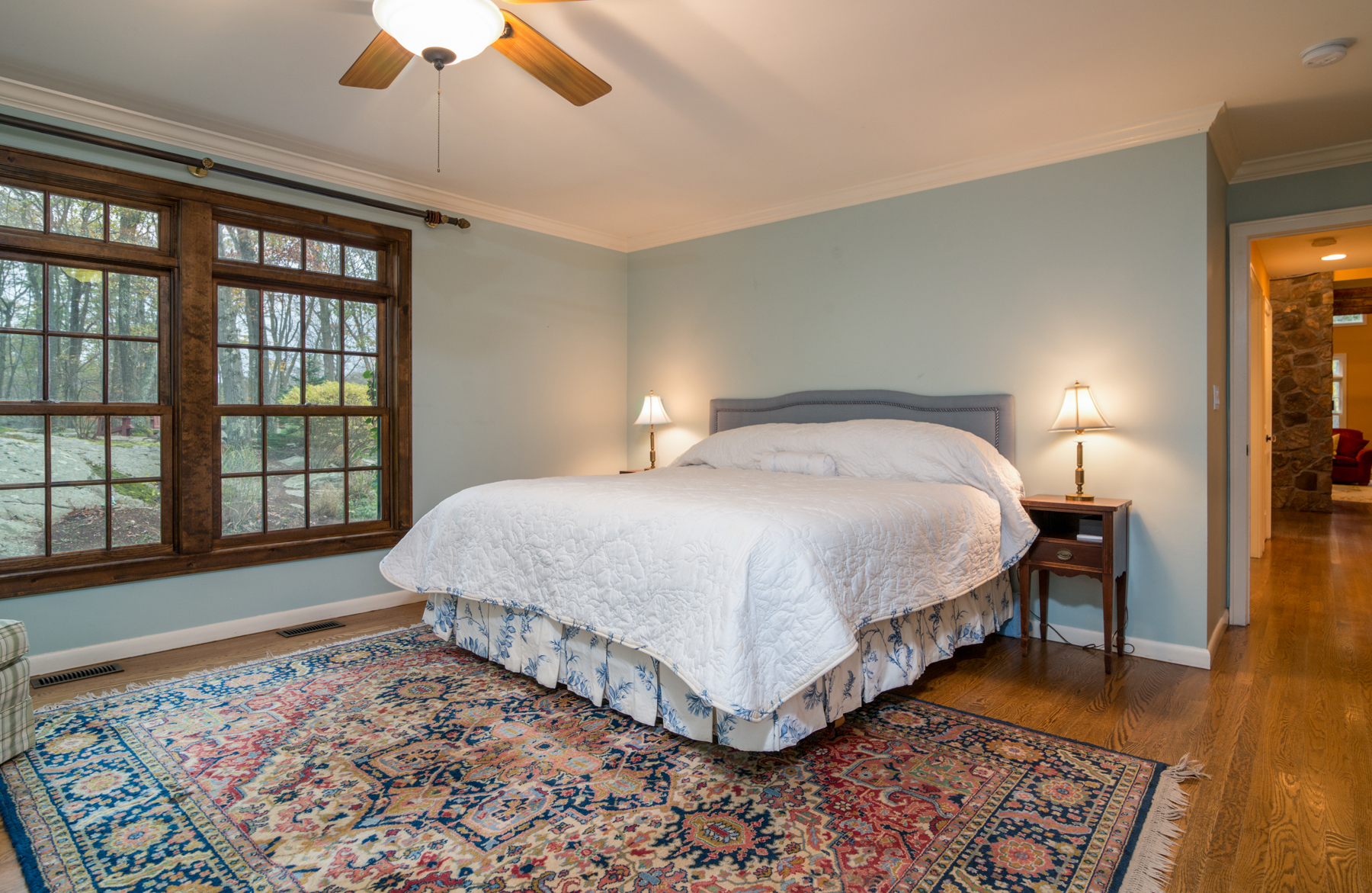 Additional photo for property listing at Country Farmhouse 11 Kinnicut Road East Pound Ridge, New York 10576 United States