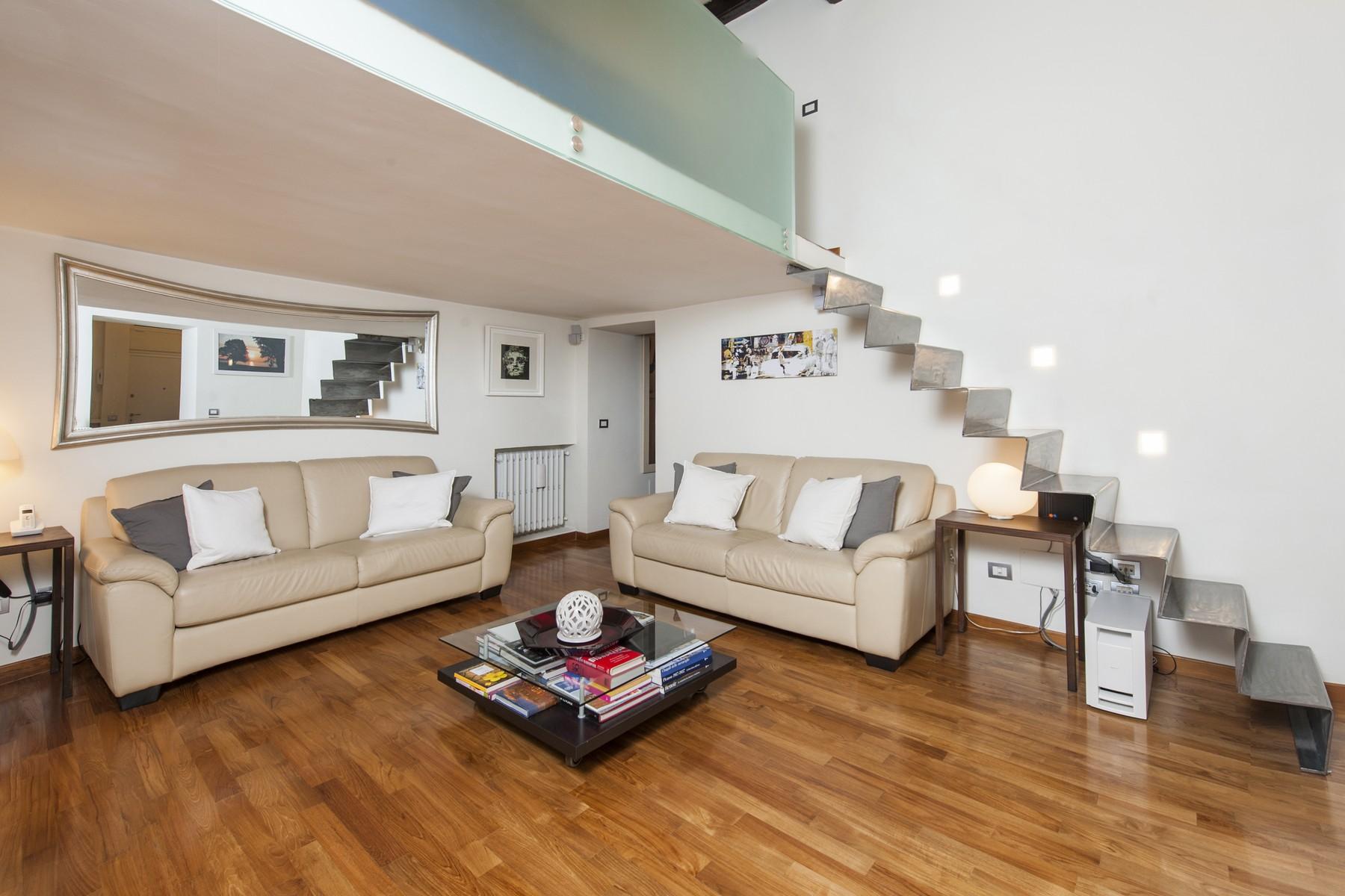 Appartamento per Vendita alle ore Appartamento di grande fascino a due passi da Trinità dei Monti Via Crispi Rome, Roma 00187 Italia