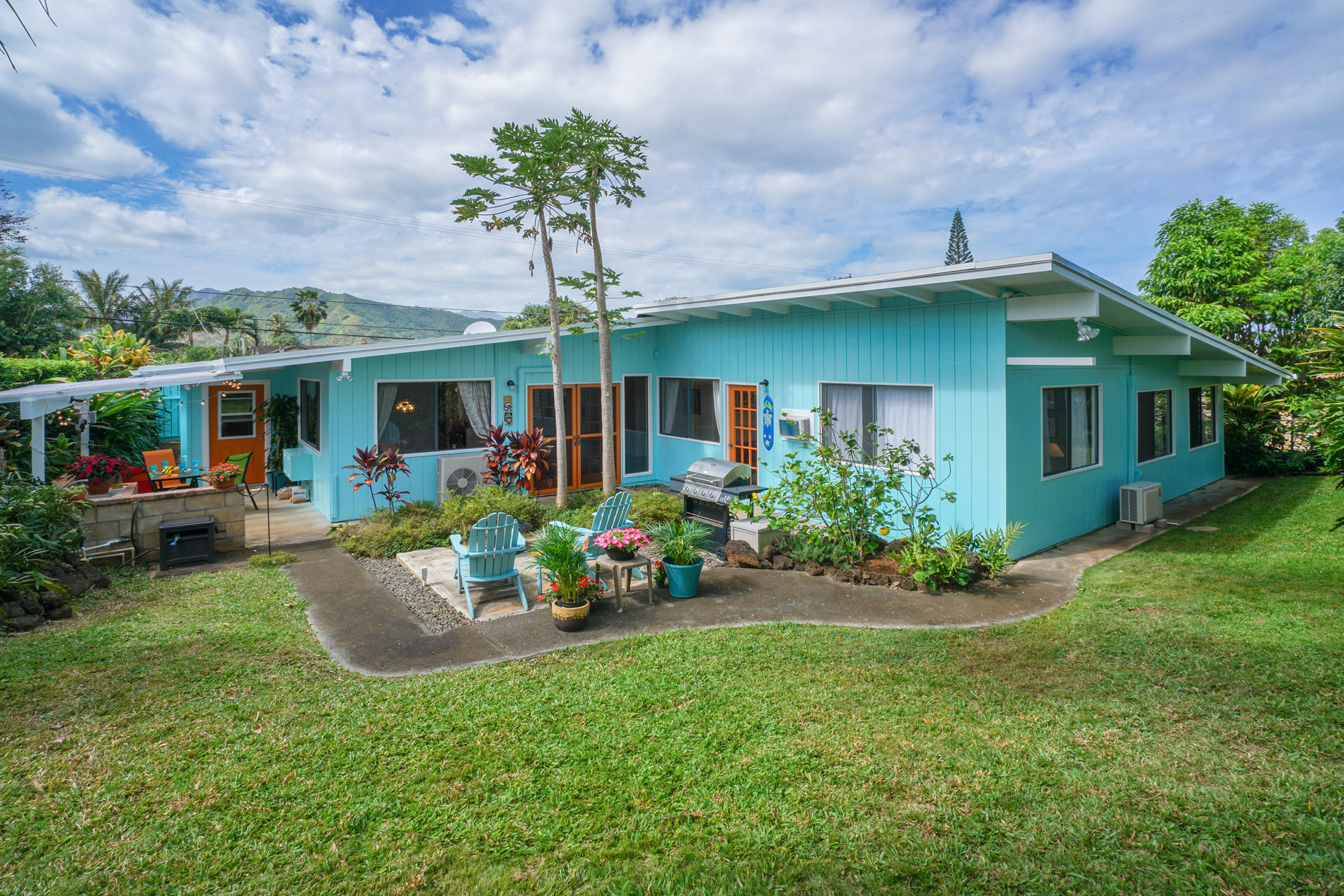 Single Family Home for Sale at Spacious Oahu Retreat 1289 Ulupii Street Kailua, Hawaii, 96734 United States