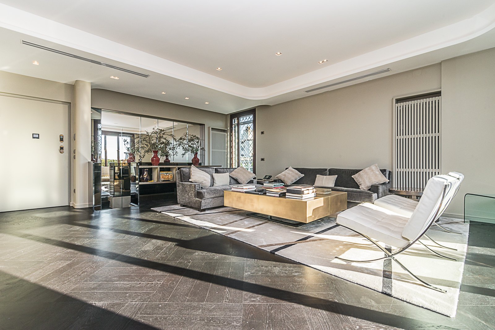 Additional photo for property listing at Majestic penthouse with views of Milan Viale Luigi Majno Milano, Milan 20129 Italy