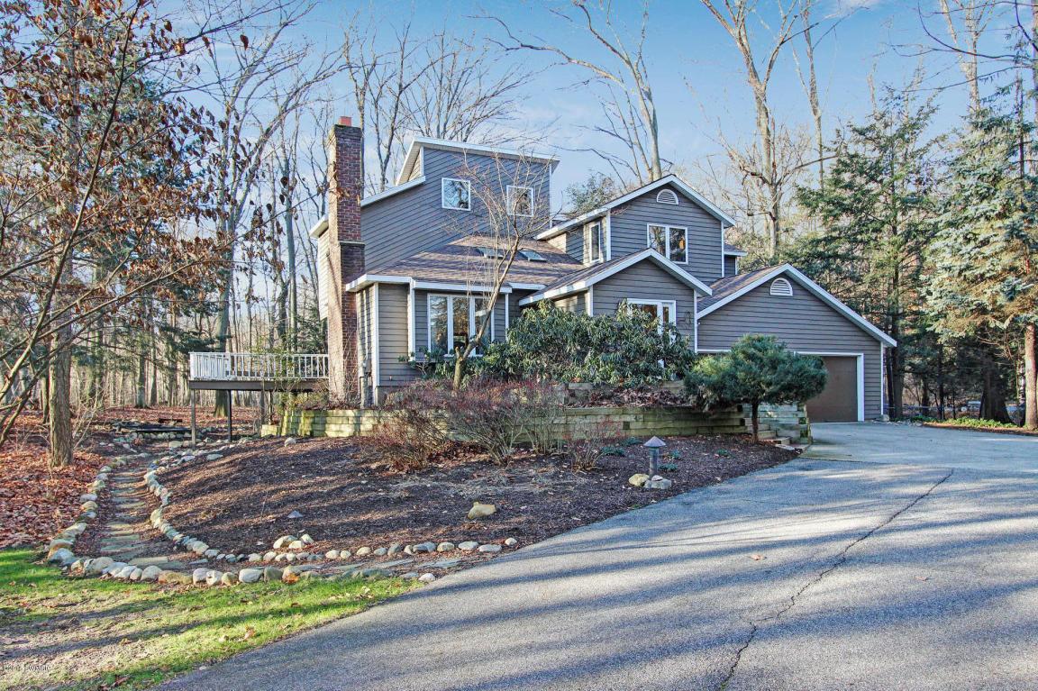 独户住宅 为 销售 在 Pristine living encumbered by nature 4716 66th Street 霍德兰, 密歇根州, 49423 美国