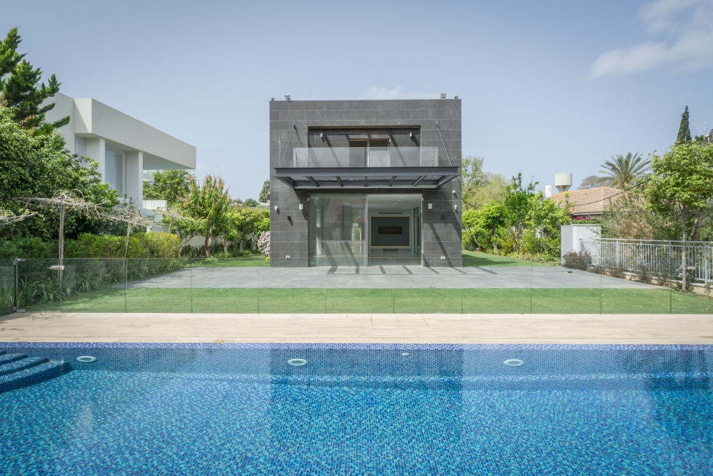 Single Family Home for Sale at Stylish modern architectural design villa Kfar Shmaryahu, Israel Israel