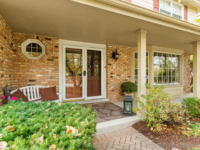 Maison unifamiliale pour l Vente à 153 CARRIAGE WAY DRIVE Burr Ridge, Illinois, 60527 États-Unis
