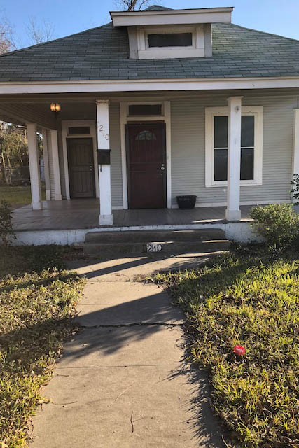 Single Family Home for Rent at 1210 W. Huisache Avenue 1210 W. Huisache Avenue San Antonio, Texas 78201 United States