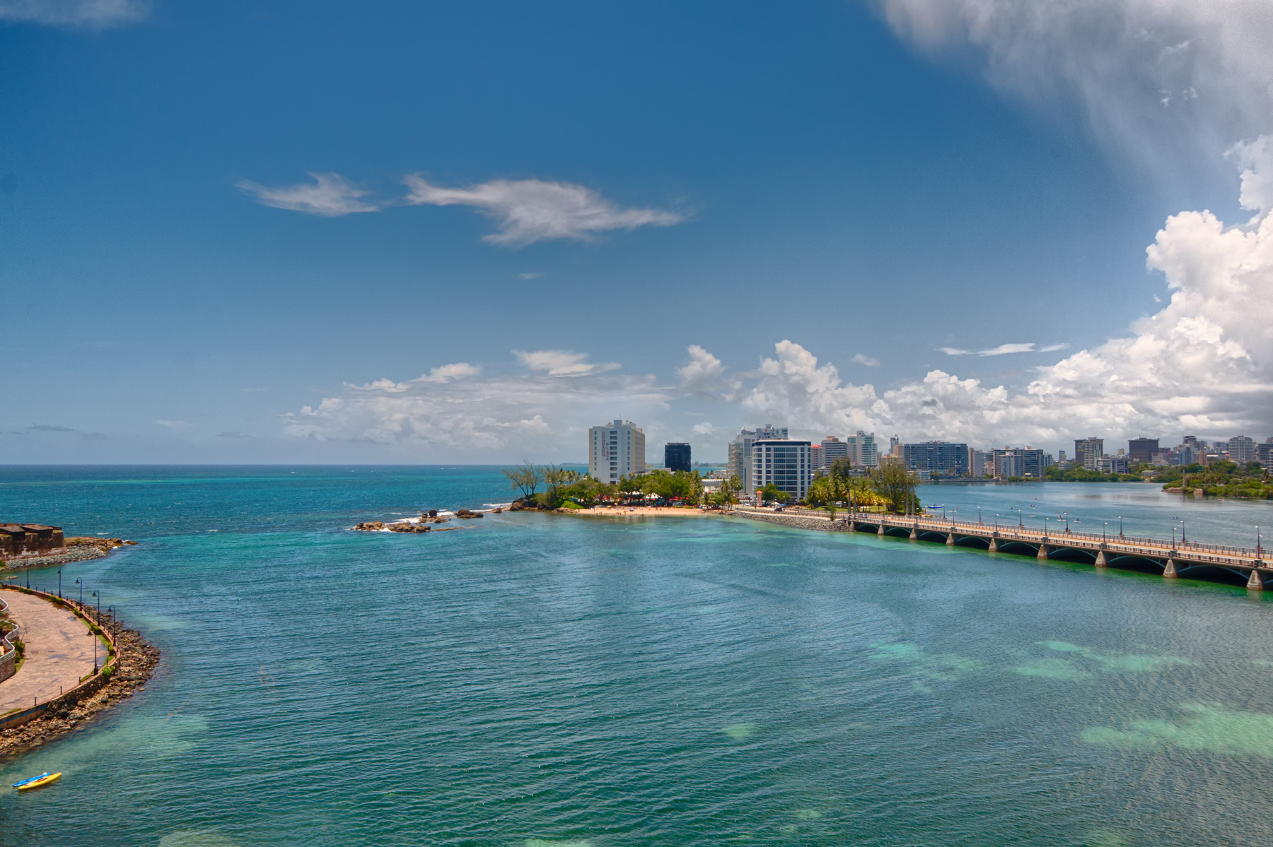 Additional photo for property listing at 7th Floor Waterfront at Laguna Plaza 6 Munoz Rivera Ave. Apt 703 Laguna Plaza Condominium 圣胡安, 波多黎各 00902 波多黎各