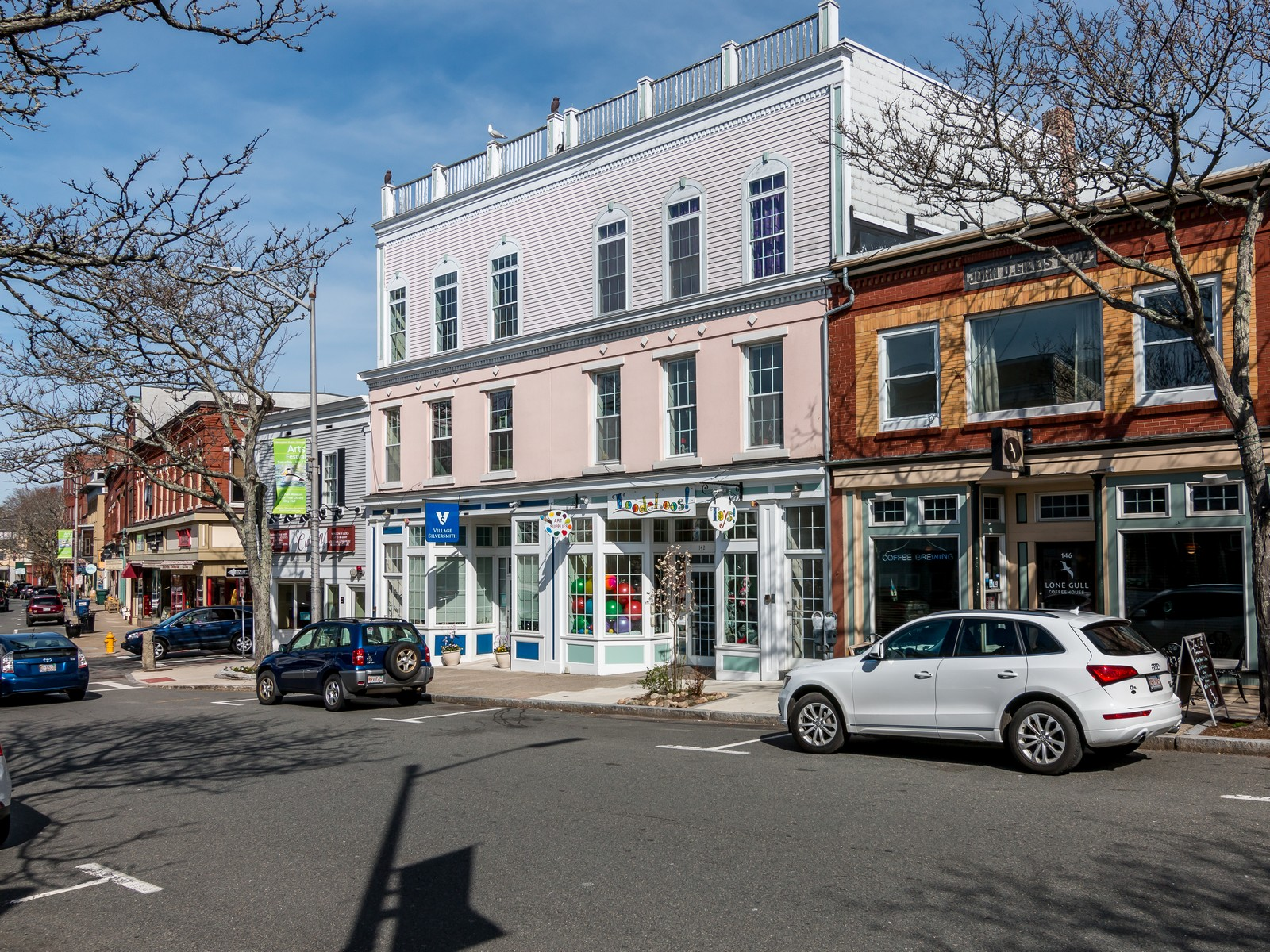 Copropriété pour l Vente à Perfect Downtown Retreat 138 Main Street Unit 2 Gloucester, Massachusetts, 01930 États-Unis