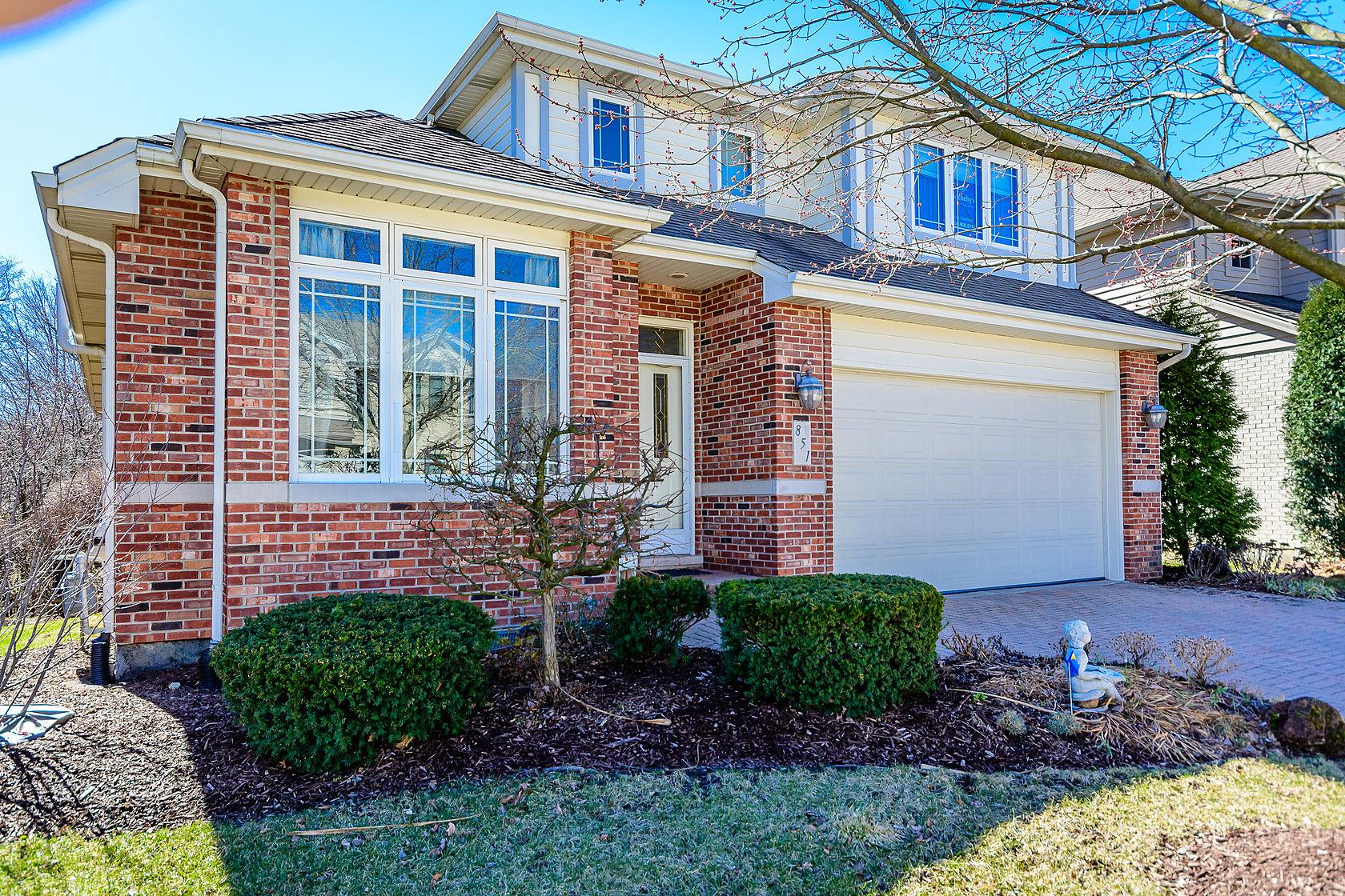 Nhà ở một gia đình vì Bán tại 851 Emerald Court Willowbrook, Illinois, 60527 Hoa Kỳ