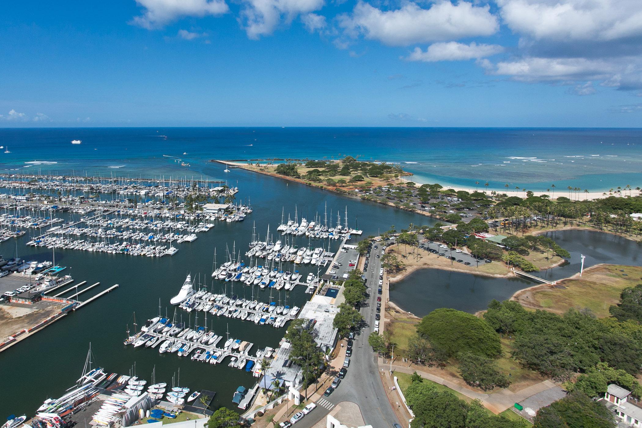 Appartement en copropriété pour l Vente à Hawaiian Sunset Views 1600 Ala Moana Blvd #3500 Honolulu, Hawaii, 96815 États-Unis
