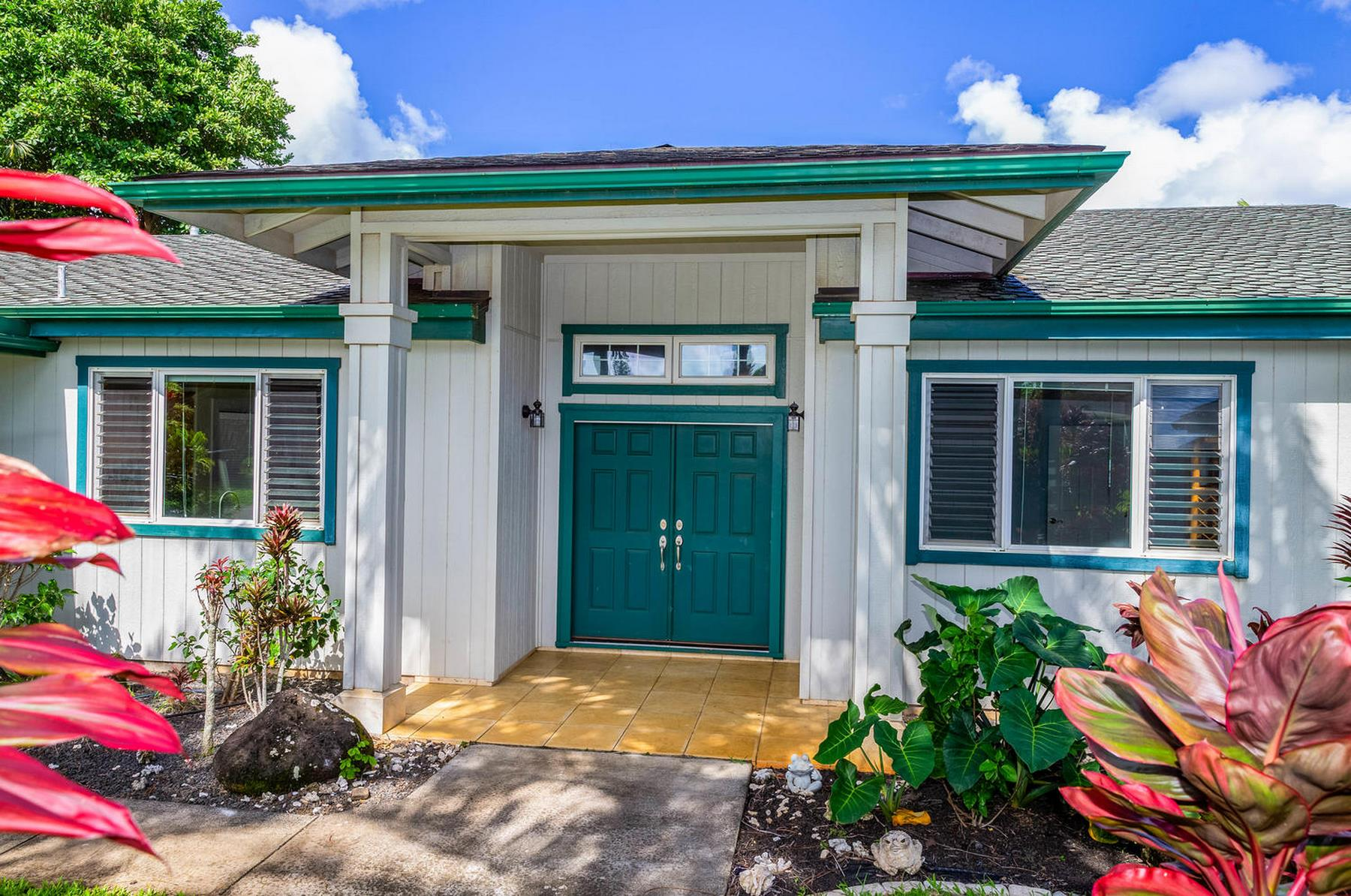 独户住宅 为 销售 在 5145 Iolani Place 5145 Iolani Place 普林斯维尔, 夏威夷 96722 美国