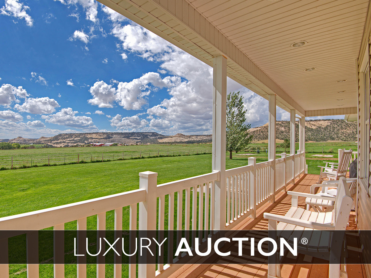Farm / Ranch / Plantation للـ Sale في This +570 Acre Trophy Ranch will be sold at Luxury AUCTION® on May 26th, 2018 2405 Lower Boulder Rd Boulder, Utah 84716 United States