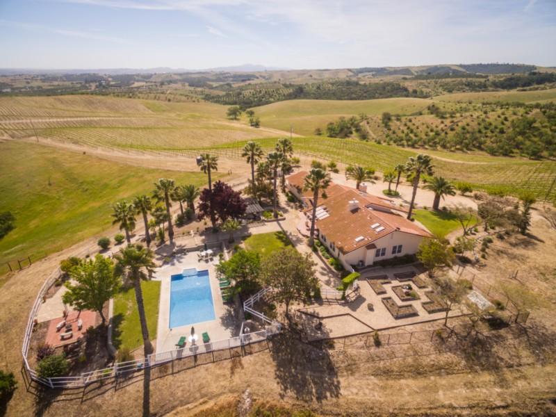 Частный односемейный дом для того Продажа на 5330 Dana Lane Templeton, Калифорния, 93465 Соединенные Штаты
