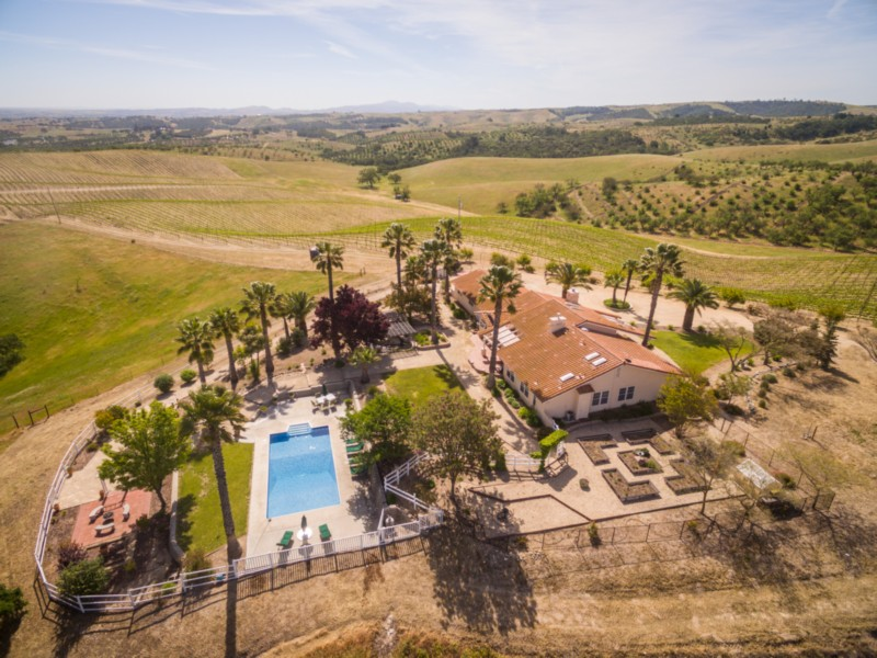 Single Family Home for Sale at 5330 Dana Lane Templeton, California, 93465 United States