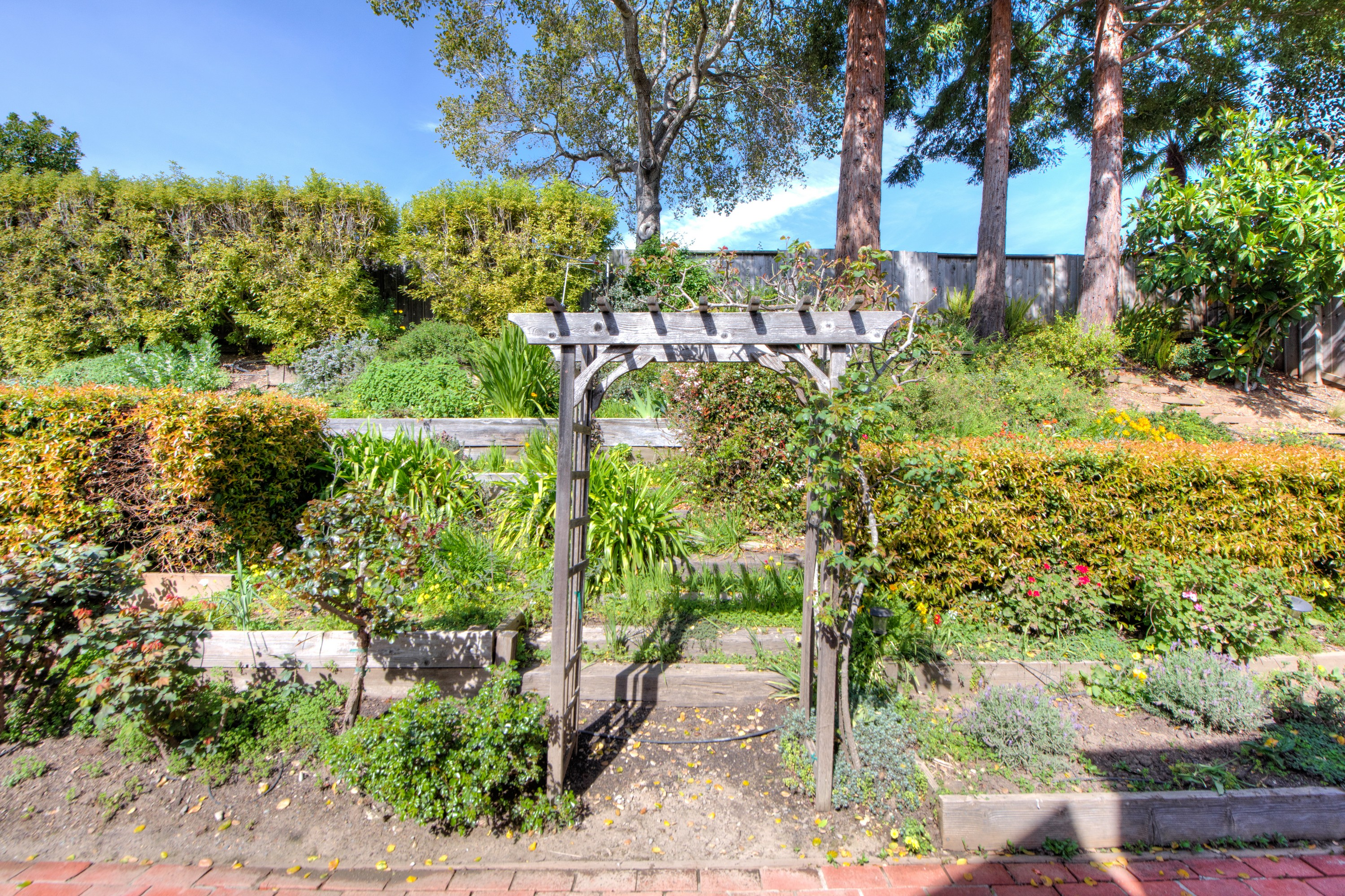 Additional photo for property listing at Entertainer's Delight 1264 Idylberry Road San Rafael, California 94903 United States