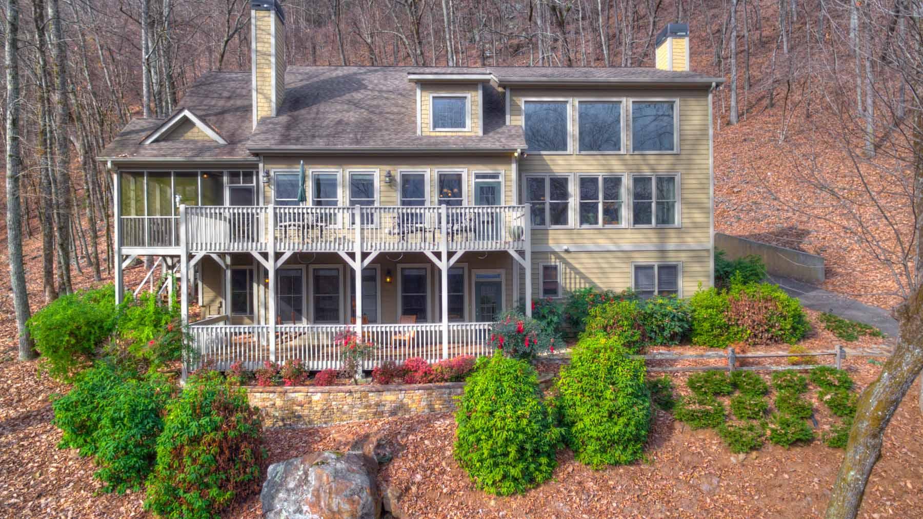 一戸建て のために 売買 アット Bright Spacious Home in Mountains of Big Canoe 1239 Grouse Gap Big Canoe, ジョージア, 30143 アメリカ合衆国