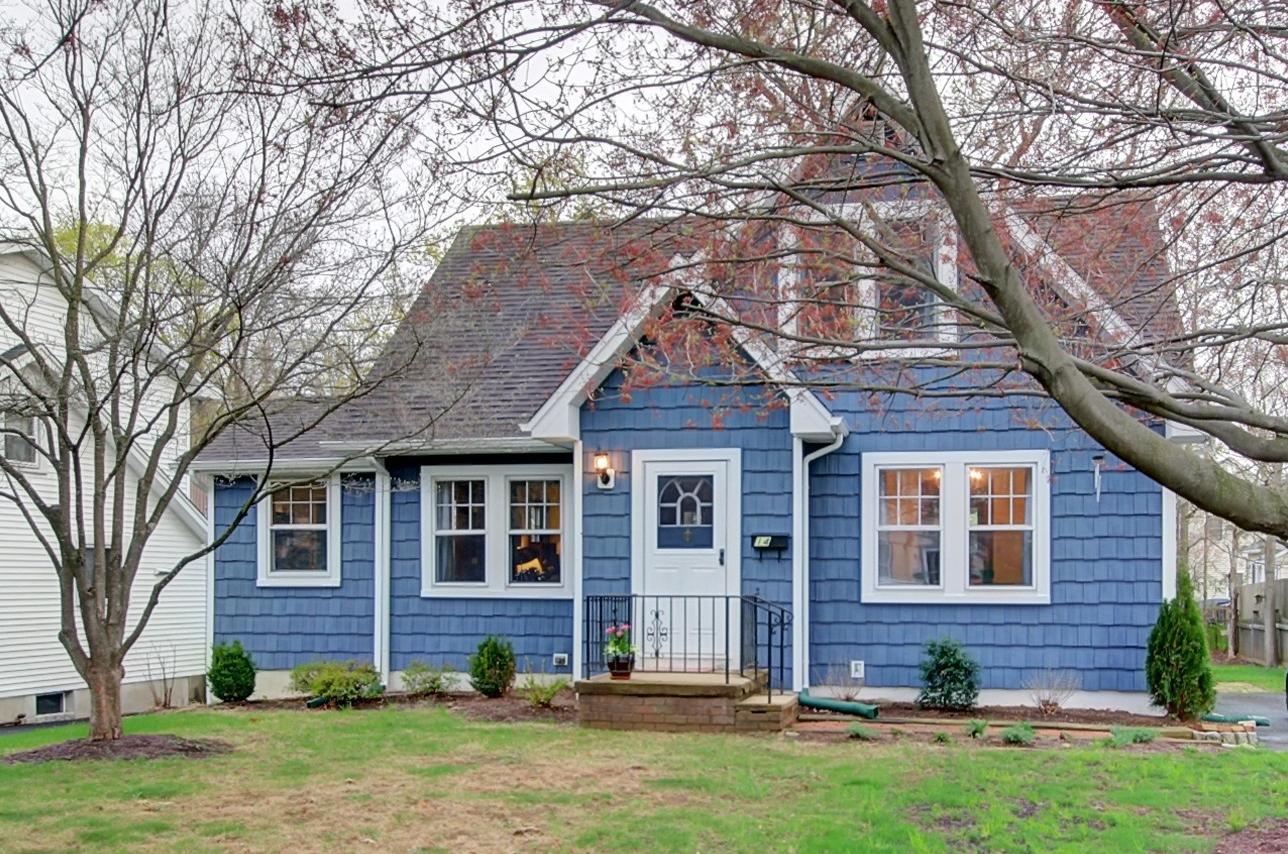 Maison unifamiliale pour l à louer à Bright & Spacious Cape 14 South Street, Bernardsville, New Jersey 07924 États-Unis