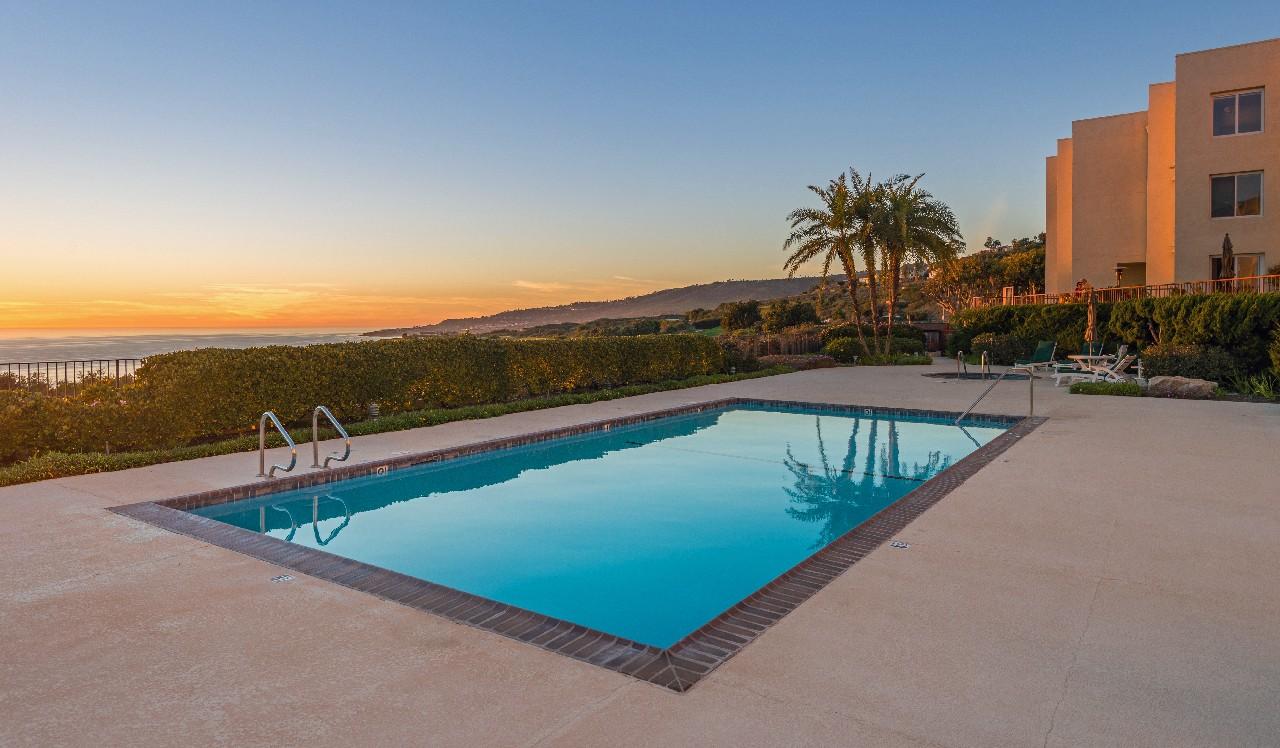 コンドミニアム のために 売買 アット Ocean Terrace 3200 La Rotonda Rancho Palos Verdes, カリフォルニア, 90275 アメリカ合衆国