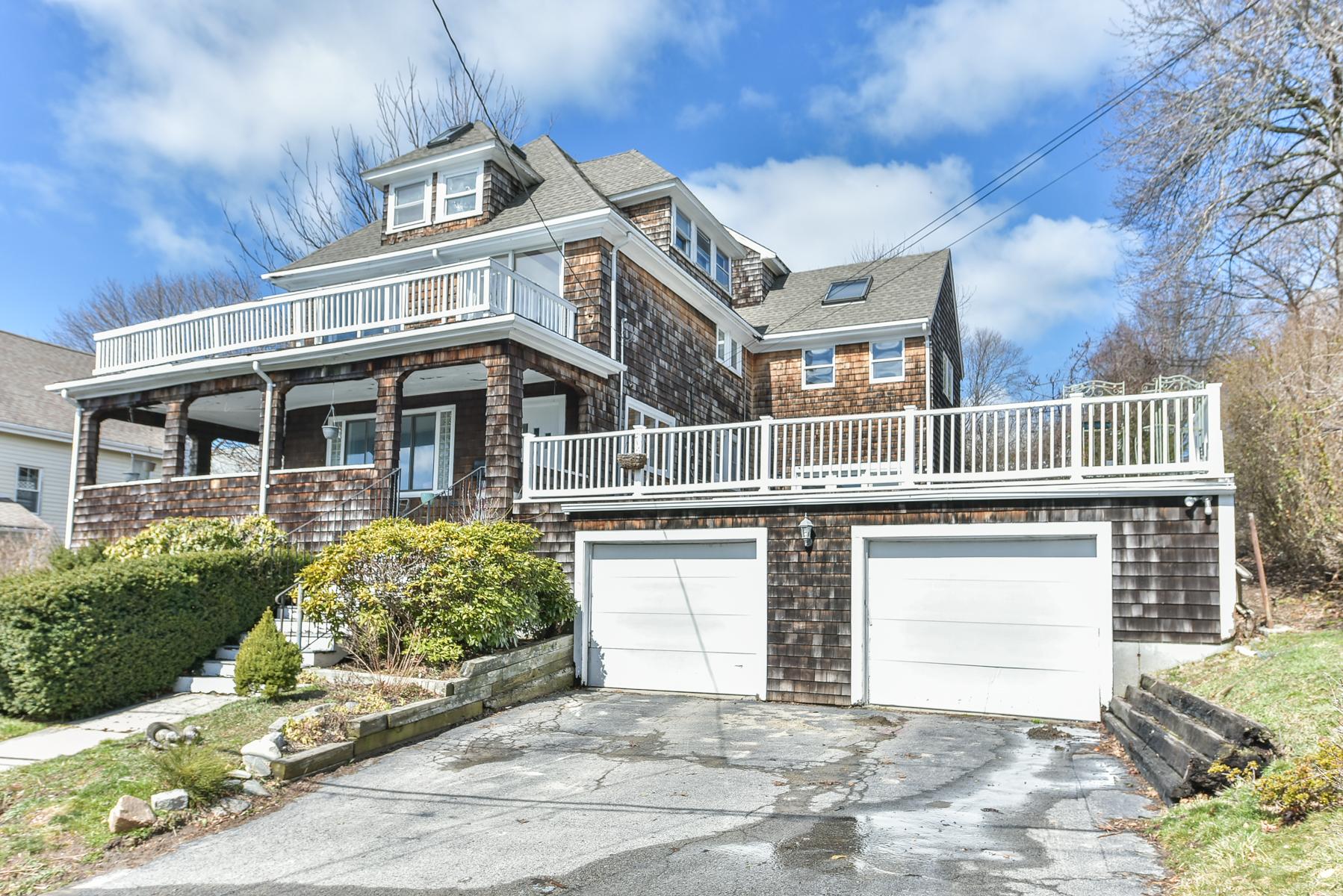 Maison unifamiliale pour l Vente à 58 Vautrinot Ave Ave, Hull Hull, Massachusetts, 02045 États-Unis