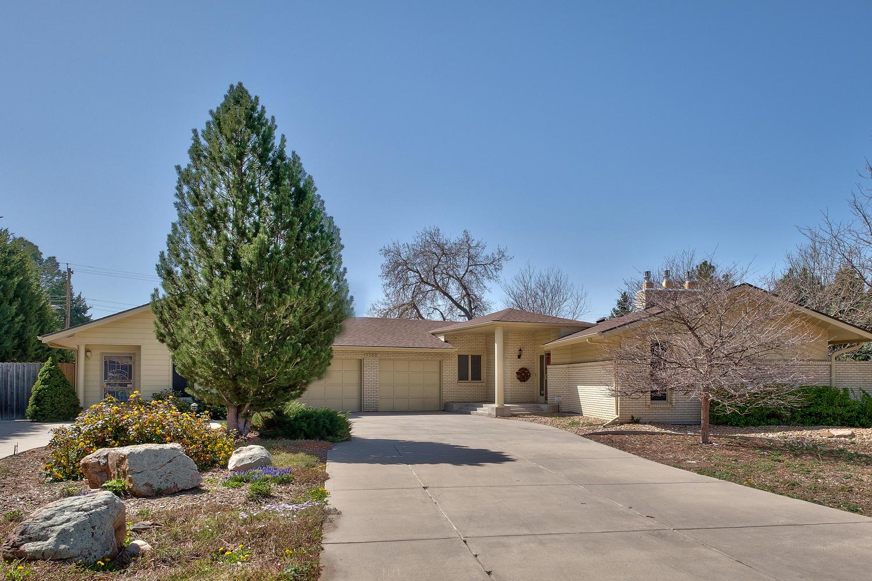 Maison unifamiliale pour l Vente à Extraordinary custom built ranch style home 7100 W Stanford Ave Littleton, Colorado, 80123 États-Unis