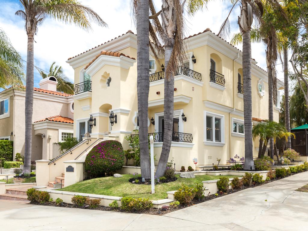 Maison unifamiliale pour l Vente à 100 N Irena Av, Redondo Beach 90277 100 N Irena Ave Redondo Beach, Californie 90277 États-Unis
