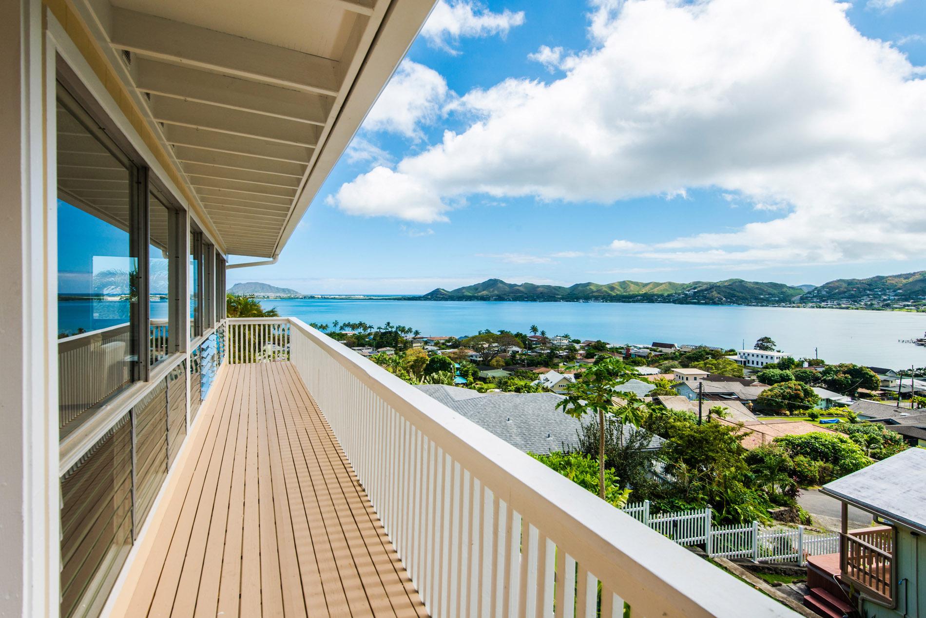 Nhà ở một gia đình vì Bán tại Stunning Kaneohe Bay 45-120 Seabury Place Kaneohe, Hawaii, 96744 Hoa Kỳ