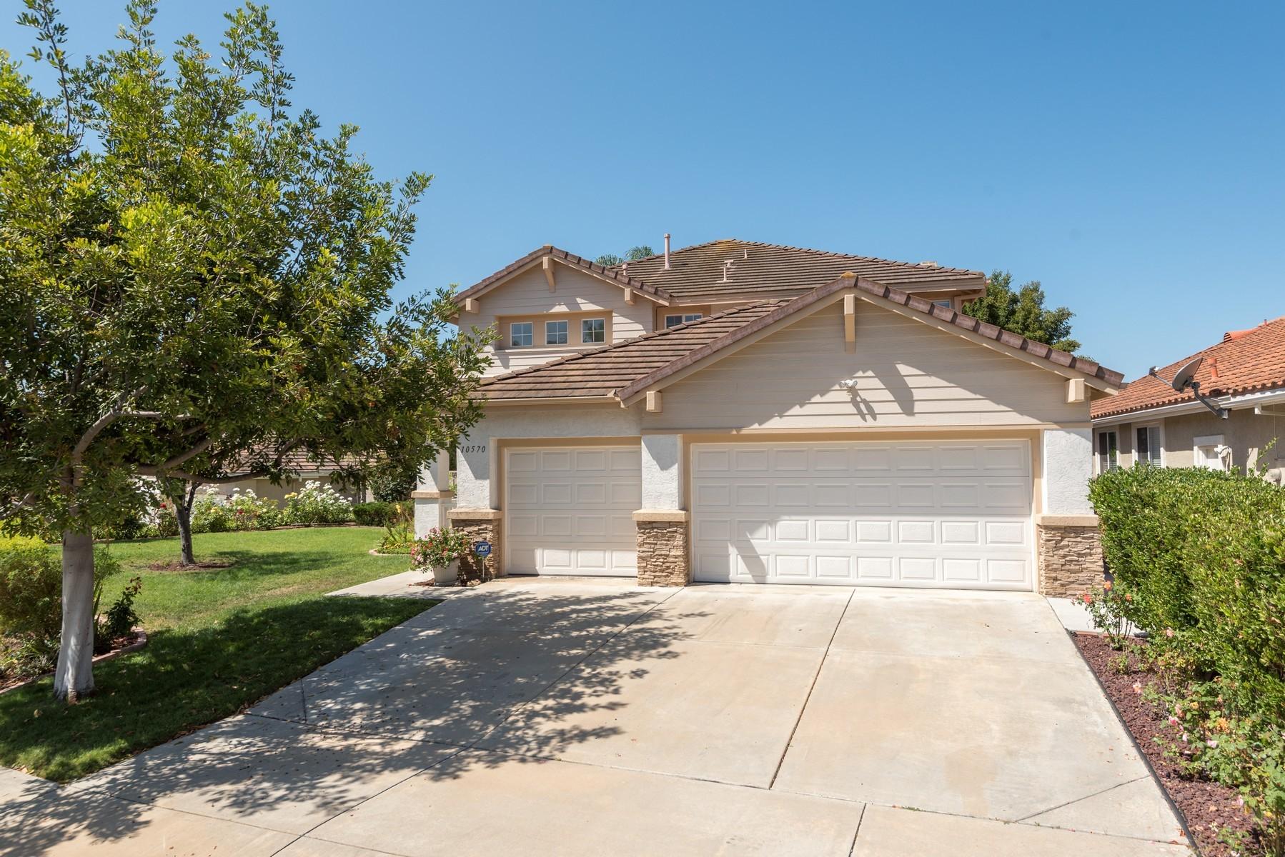 獨棟家庭住宅 為 出售 在 10570 Moorland Heights Way San Diego, 加利福尼亞州, 92121 美國