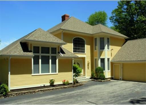 Casa Unifamiliar por un Venta en Contemporary Waterfront 26 Cobb Road Ashburnham, Massachusetts 01430 Estados Unidos