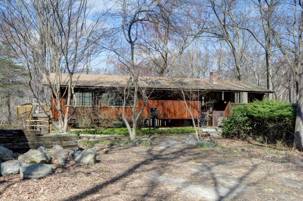 Nhà ở một gia đình vì Bán tại Calling all horticultural and contemporary enthusiasts 5 Hawk Hill Rd Lincoln, Massachusetts, 01773 Hoa Kỳ