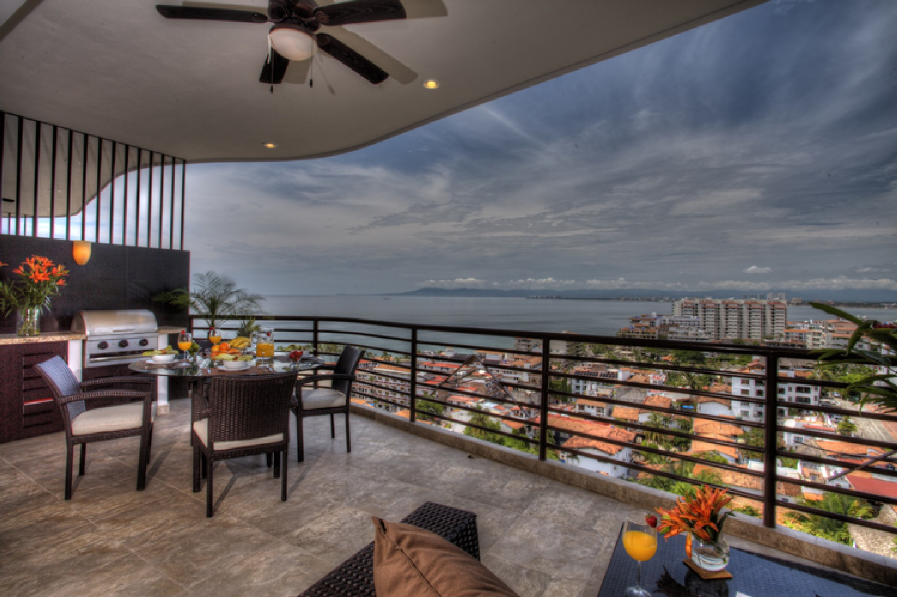 Additional photo for property listing at Pinnacle Signature 402 Calle Pulpito 180 Unidad 402 Puerto Vallarta, Jalisco 48380 México