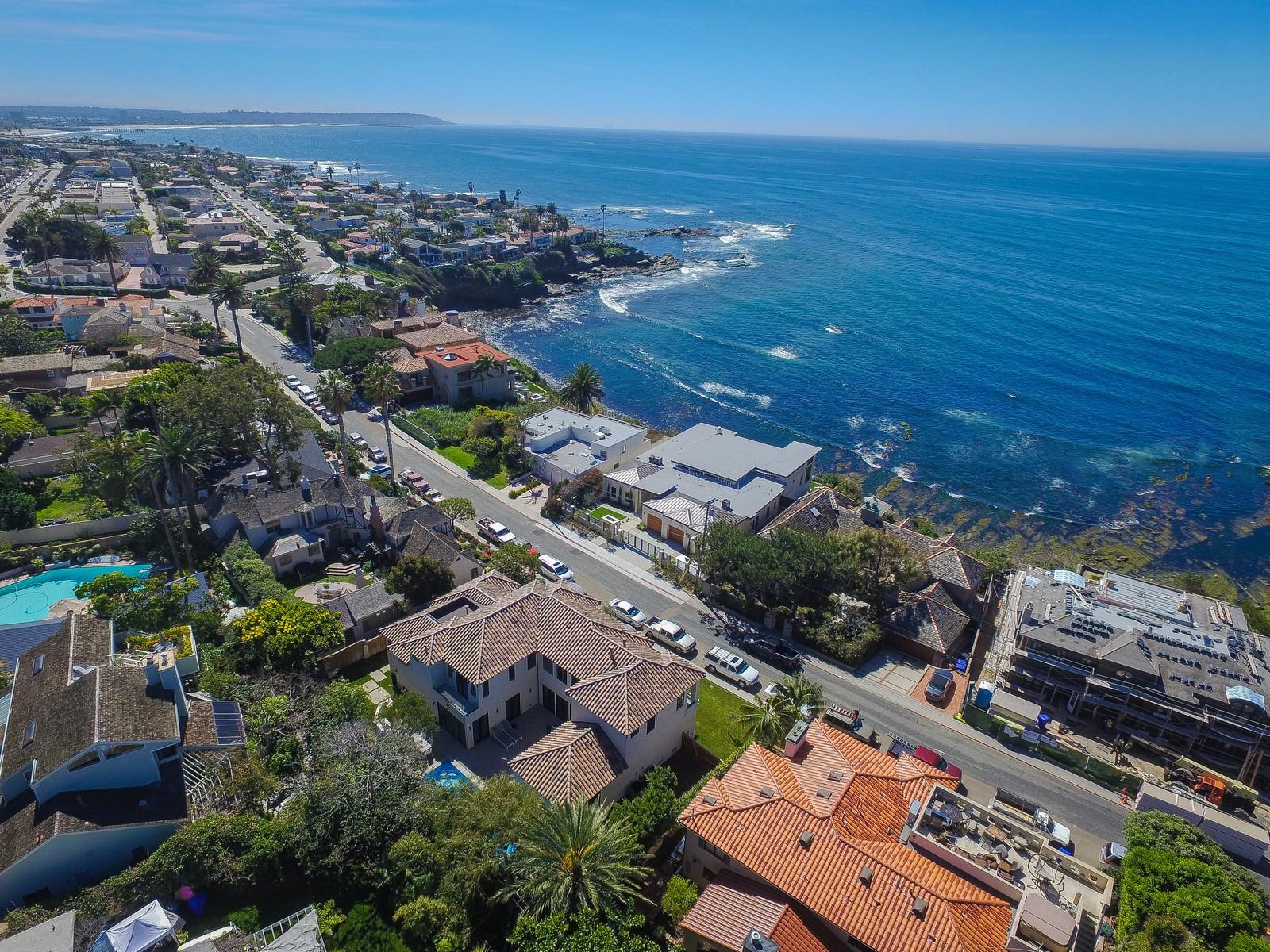 独户住宅 为 销售 在 5915 Camino De La Costa 拉荷亚, 加利福尼亚州 92037 美国