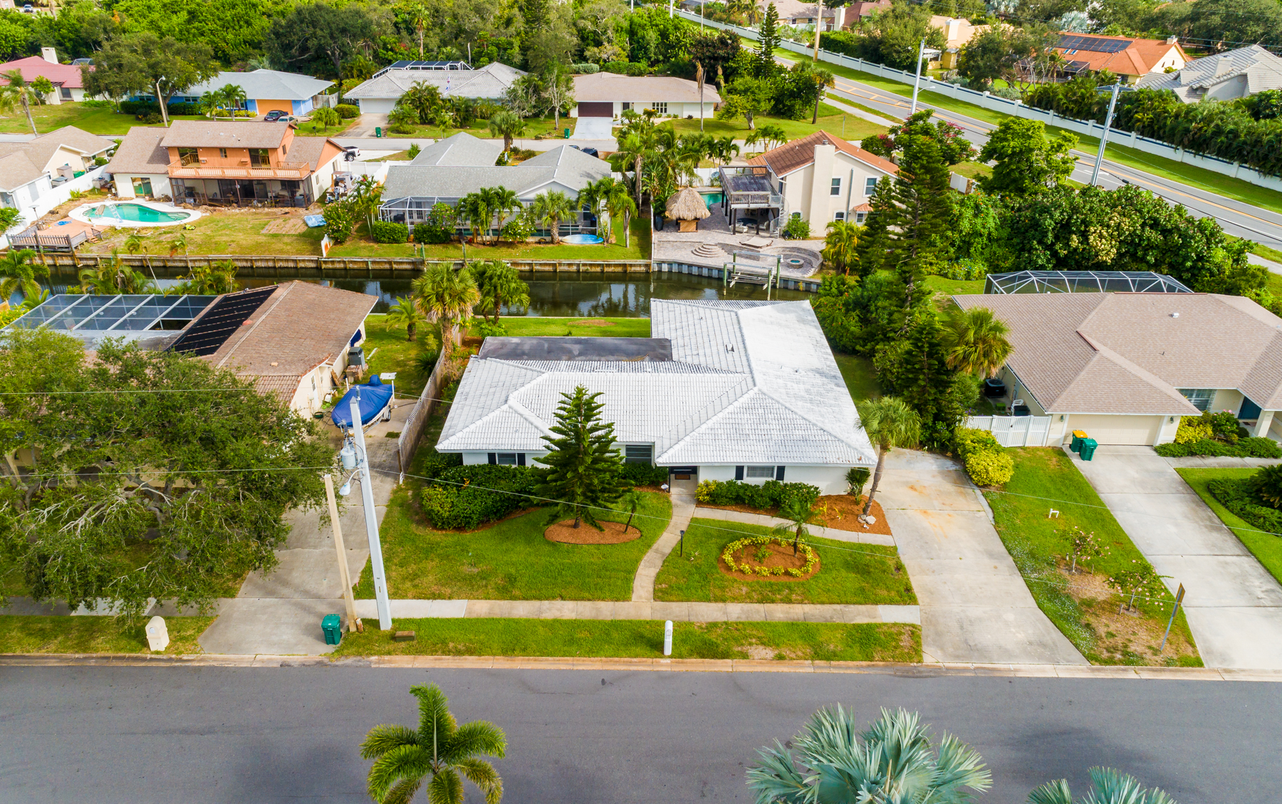 Additional photo for property listing at Canal Front Pool Home in Westview Estates 706 Brookside Drive Indialantic, Florida 32903 United States