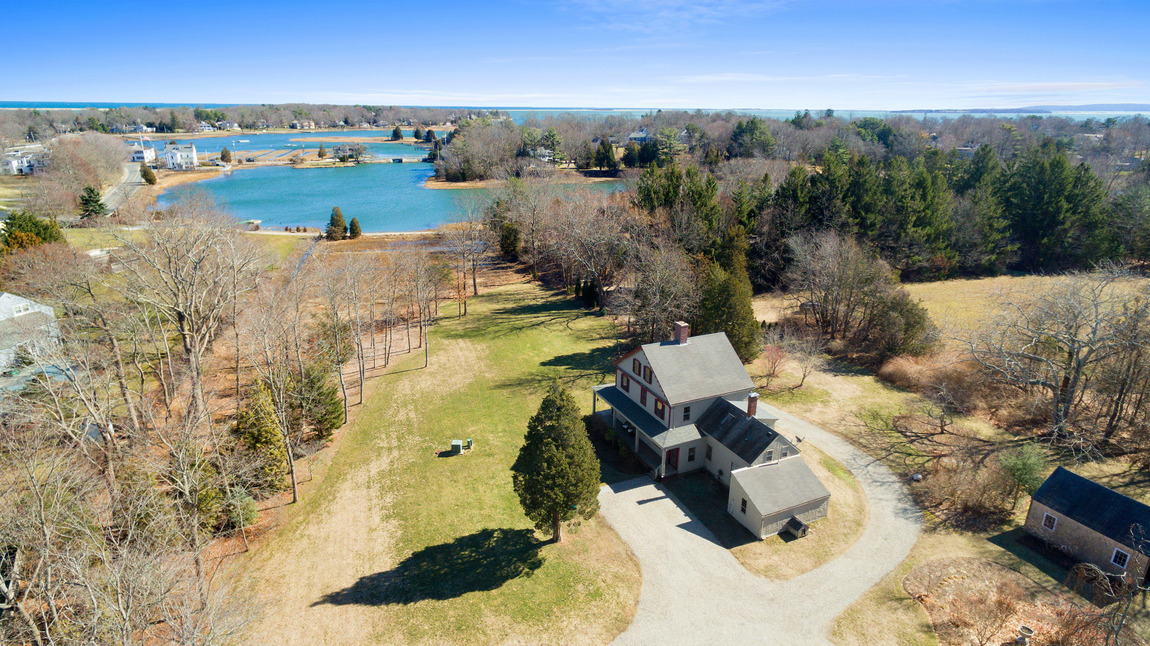 Maison unifamiliale pour l Vente à The Cushman House 40 Anchorage Ln Duxbury, Massachusetts, 02332 États-Unis