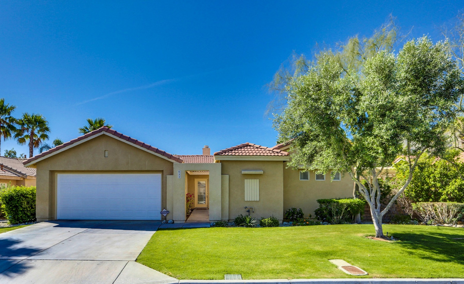 Single Family Home for Sale at 637 Poppy St Palm Springs, California, 92262 United States