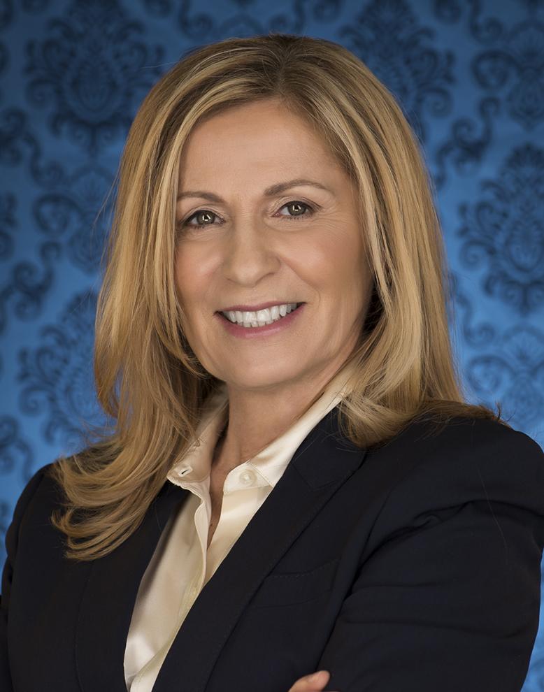 Angela Pfisterer