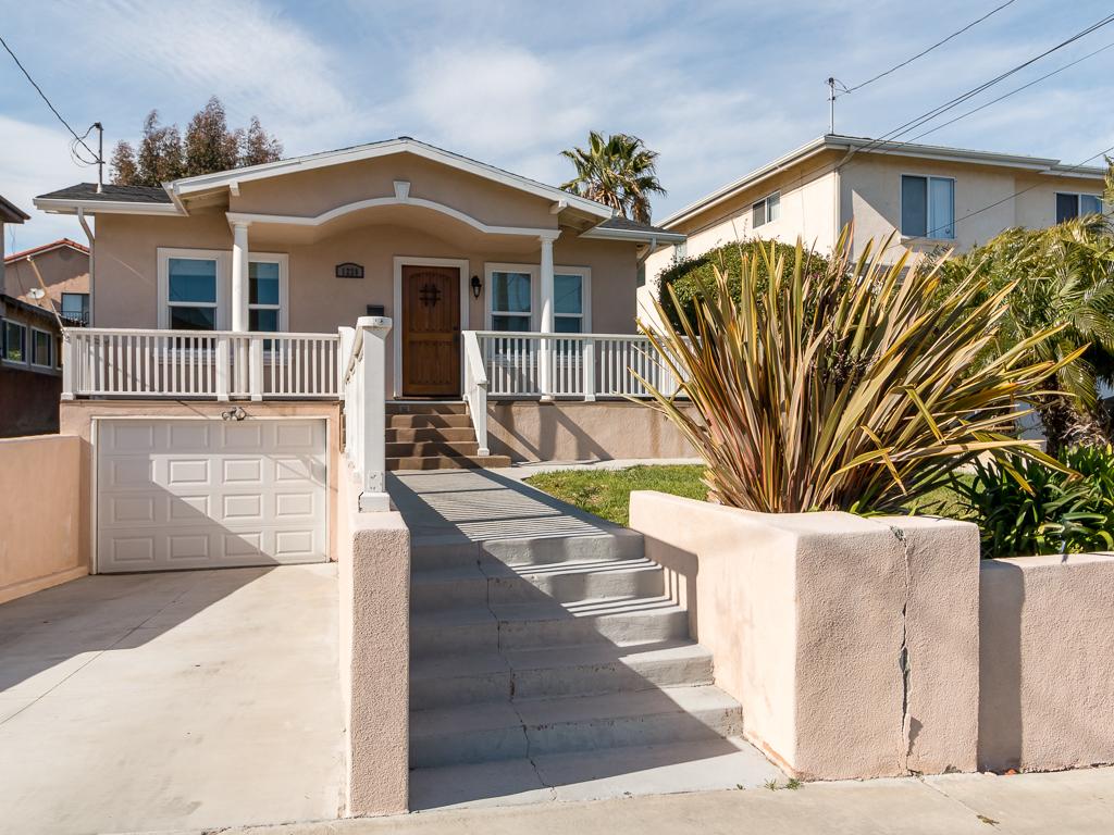 Casa Unifamiliar por un Venta en 1228 W. 24th St, San Pedro 90731 1228 W 24th Street San Pedro, California 90731 Estados Unidos