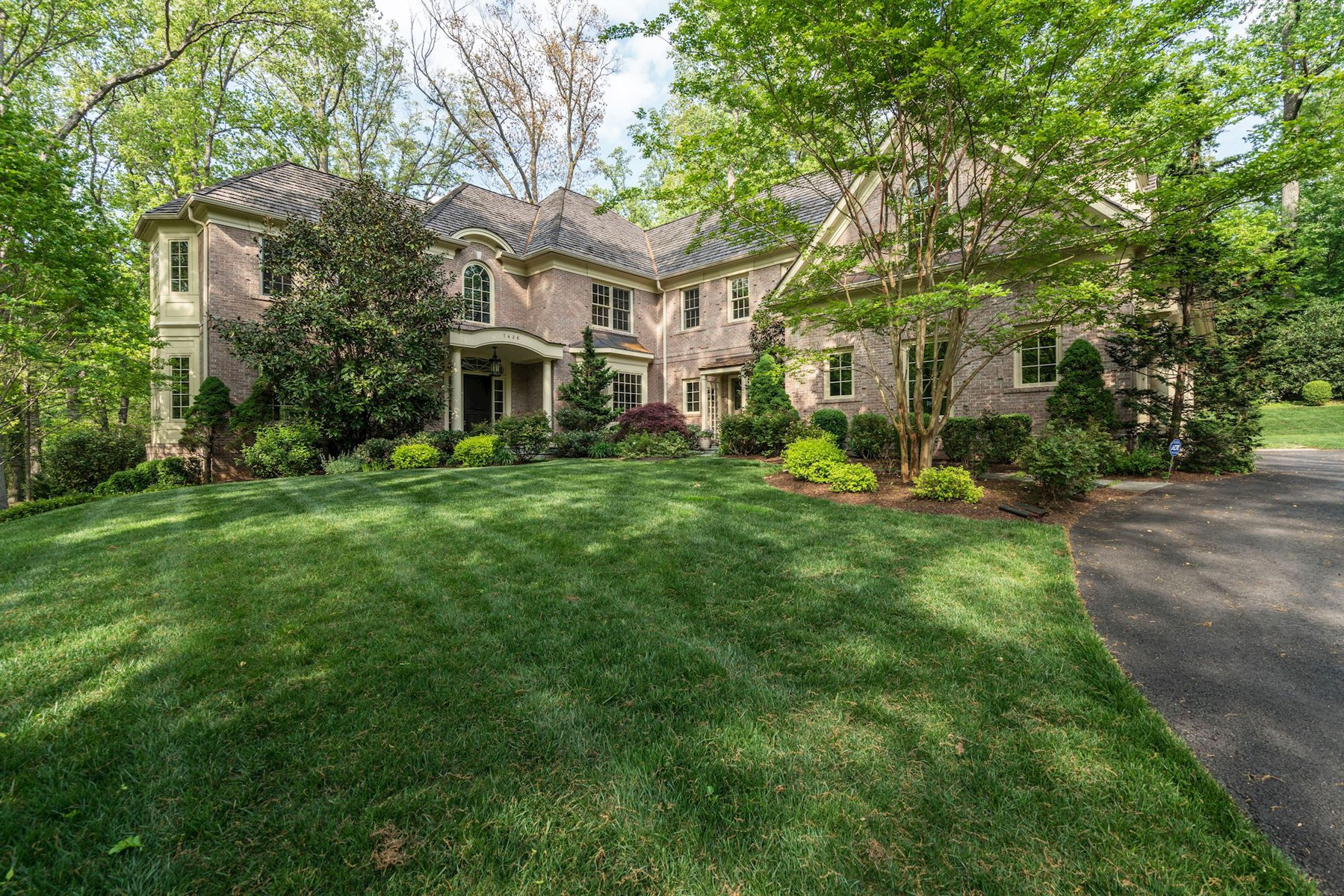 Single Family Home for Sale at 7426 Dulany Drive, Mclean McLean, Virginia, 22101 United States