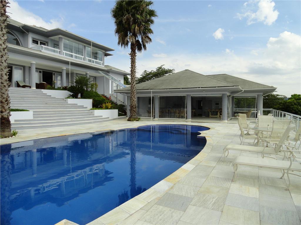 独户住宅 为 销售 在 Gorgeous House inside a Golf Court Rodovia Alkindar Monteiro Junqueira 布拉干萨保利斯塔, 圣保罗, 12918-001 巴西