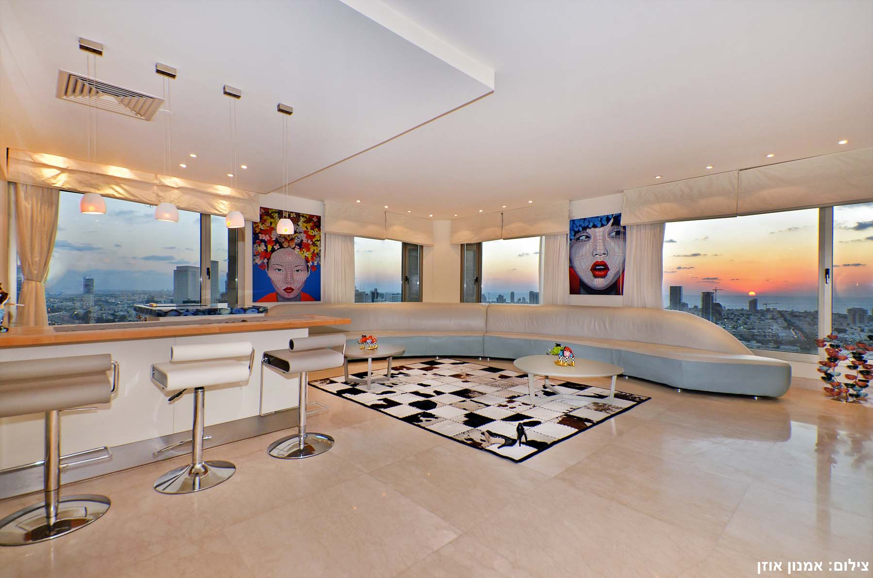 Additional photo for property listing at Modern Luxury Apartment in Leonardo City Tower Ramat Gan, Israel Israel