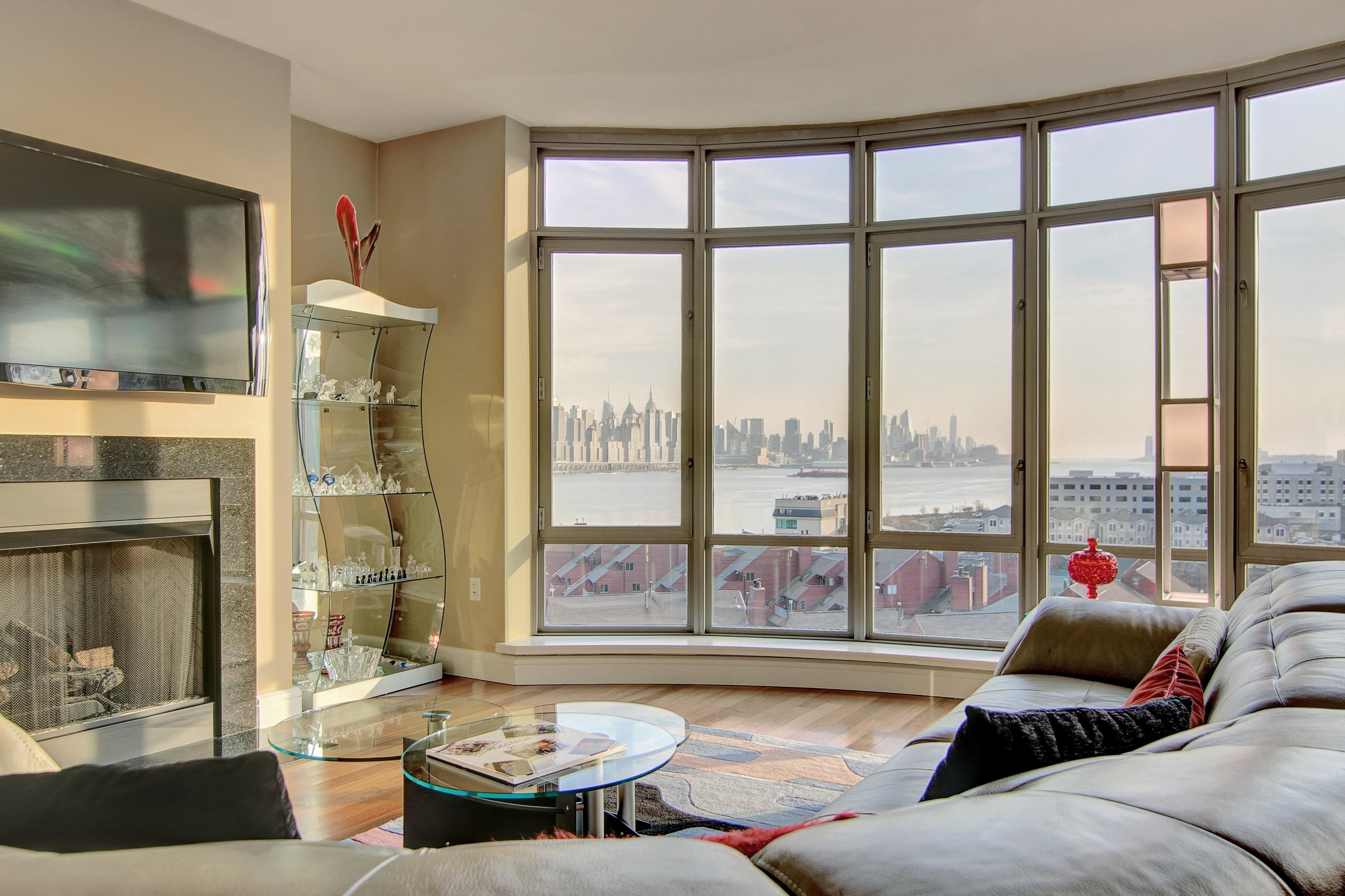 Condominio por un Venta en World Class Luxury 8100 River Road #914 North Bergen, Nueva Jersey 07047 Estados Unidos