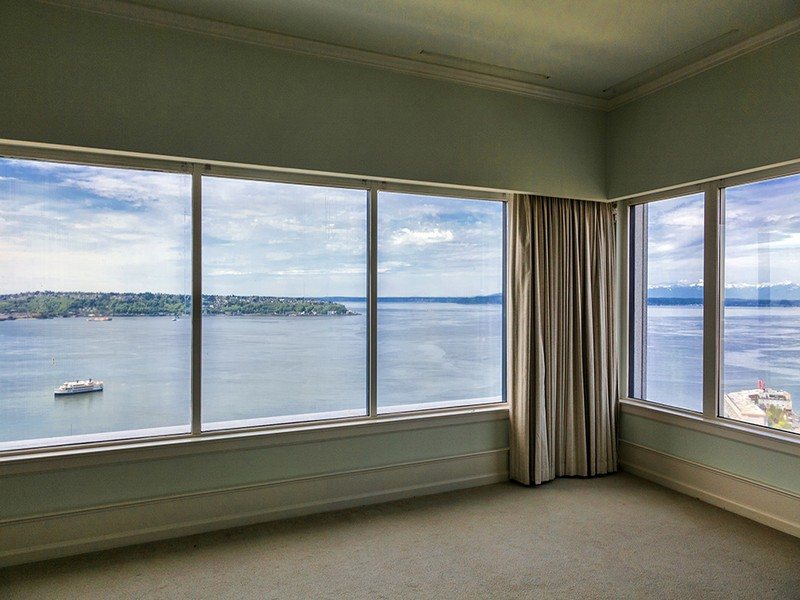 Additional photo for property listing at 2033 1st Avenue #3, Seattle 98121  Seattle, Washington 98121 United States