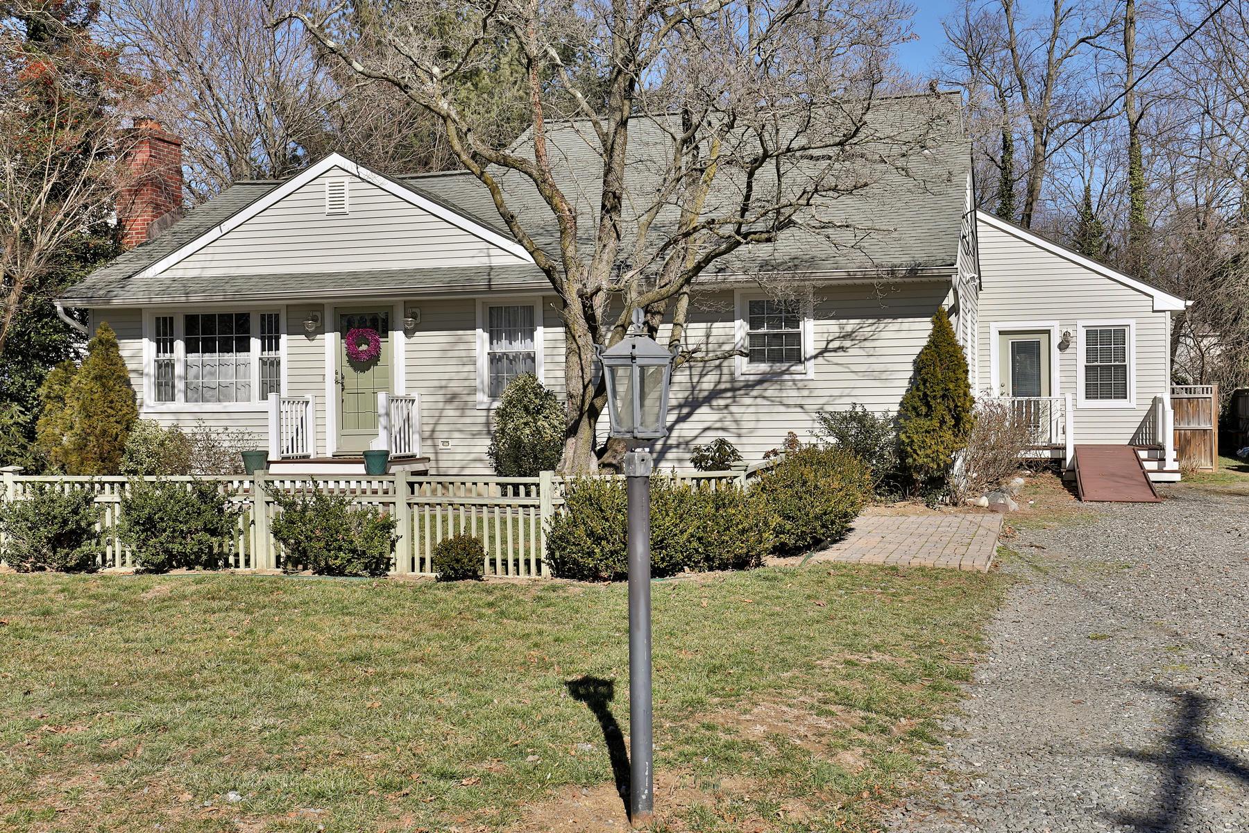 Einfamilienhaus für Verkauf beim Fair Haven Custom Cape 233 Hance Rd Fair Haven, New Jersey, 07704 Vereinigte Staaten