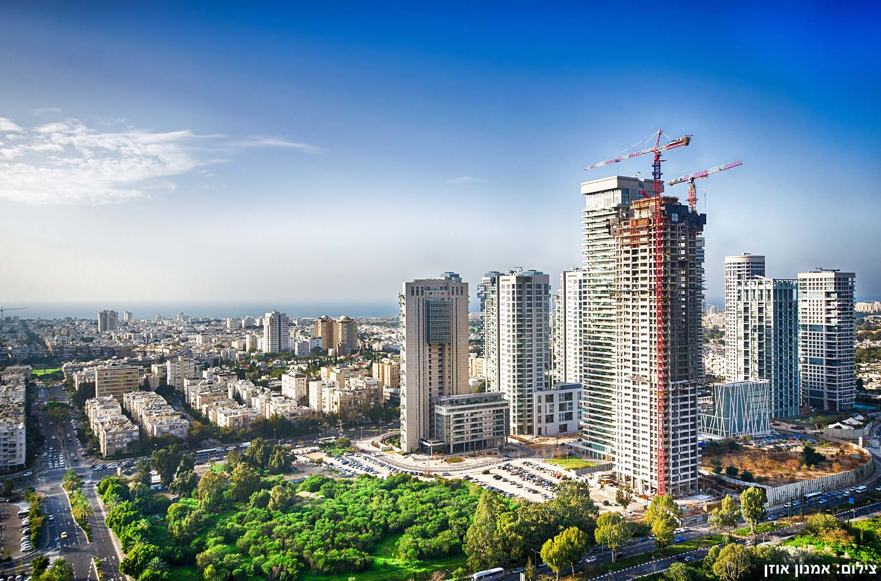 Additional photo for property listing at European Style Luxury Apartment in Leonardo City Tower Ramat Gan, Israel Israel