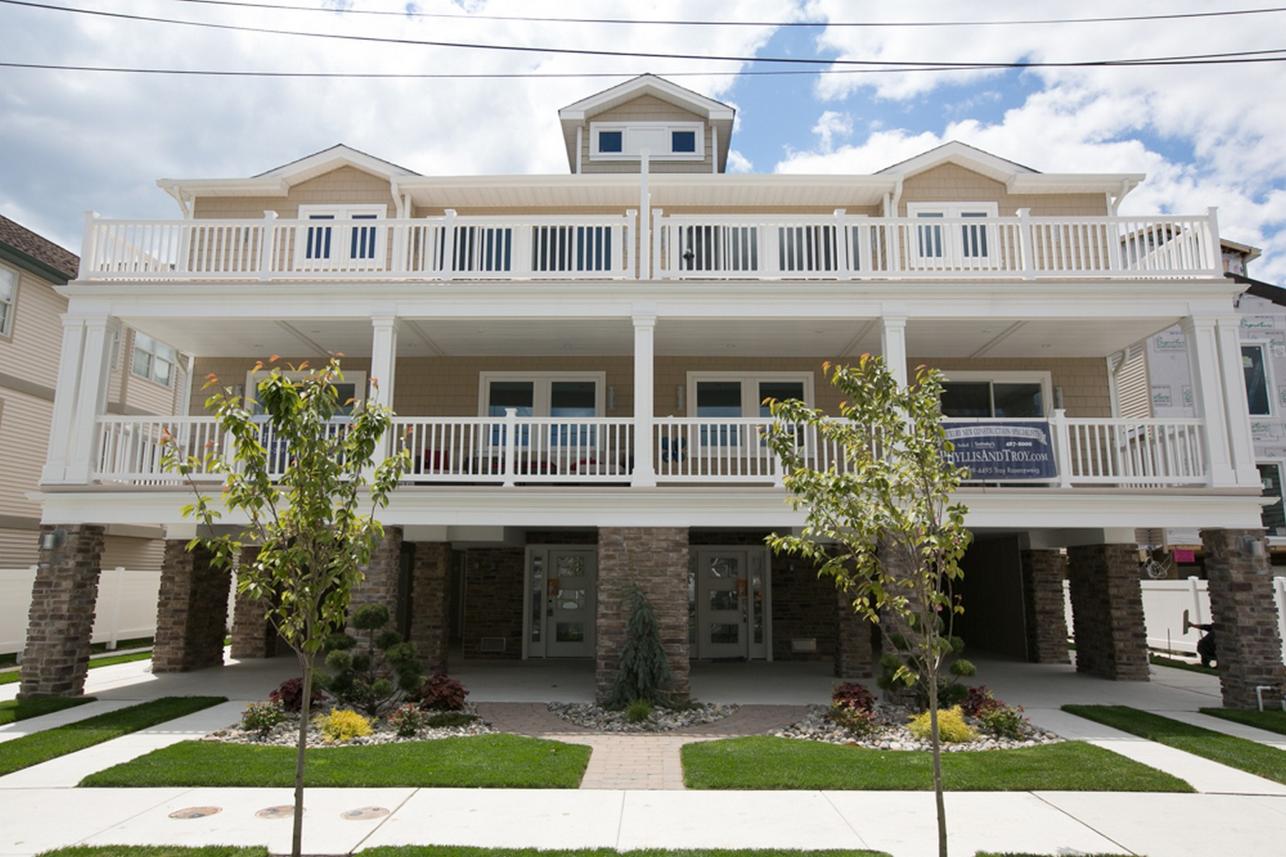 Multi-Family Home for Sale at 114-116 N. Jefferson D 114-116 N. Jefferson UNIT D Margate, New Jersey 08402 United States