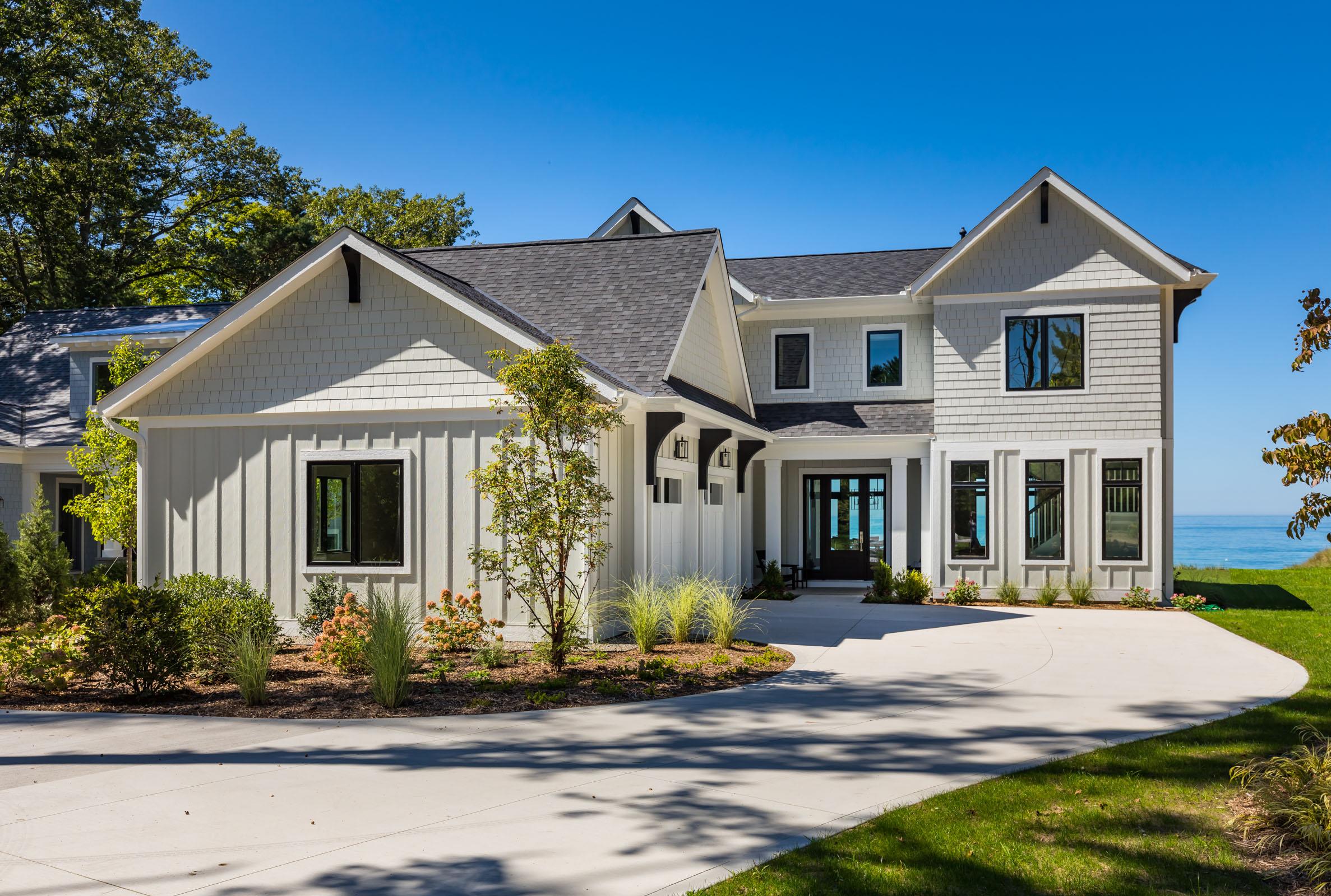 Single Family Homes para Venda às Lake Michigan Waterfront Masterpiece 77280 South Beach Drive, South Haven, Michigan 49090 Estados Unidos