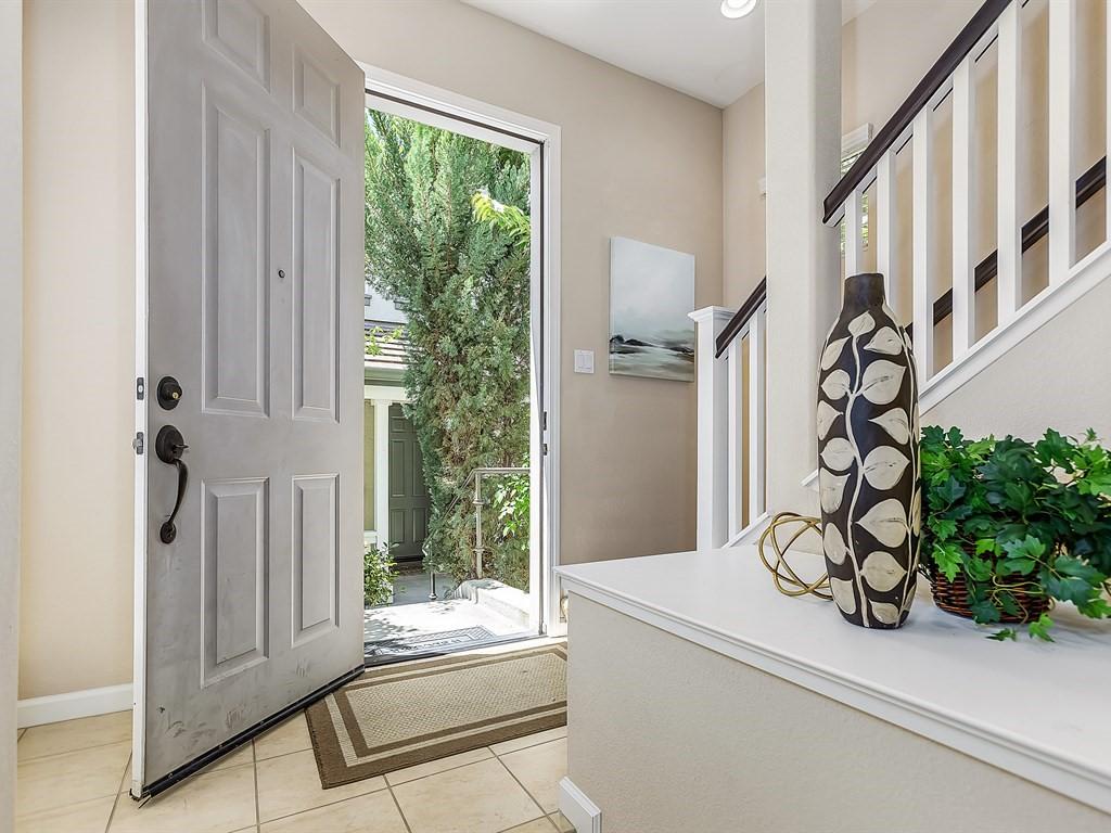 Частный односемейный дом для того Продажа на 5863 Hillbrook Place Dublin, Калифорния 94568 Соединенные Штаты