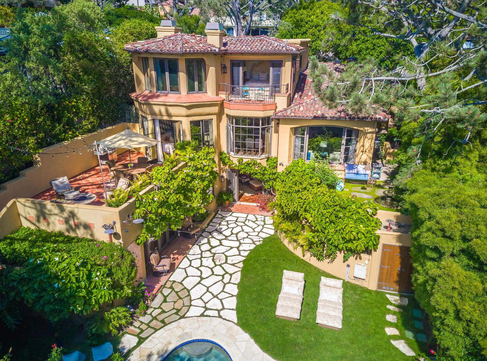 Single Family Home for Sale at 296 Ocean View Del Mar, California 92014 United States