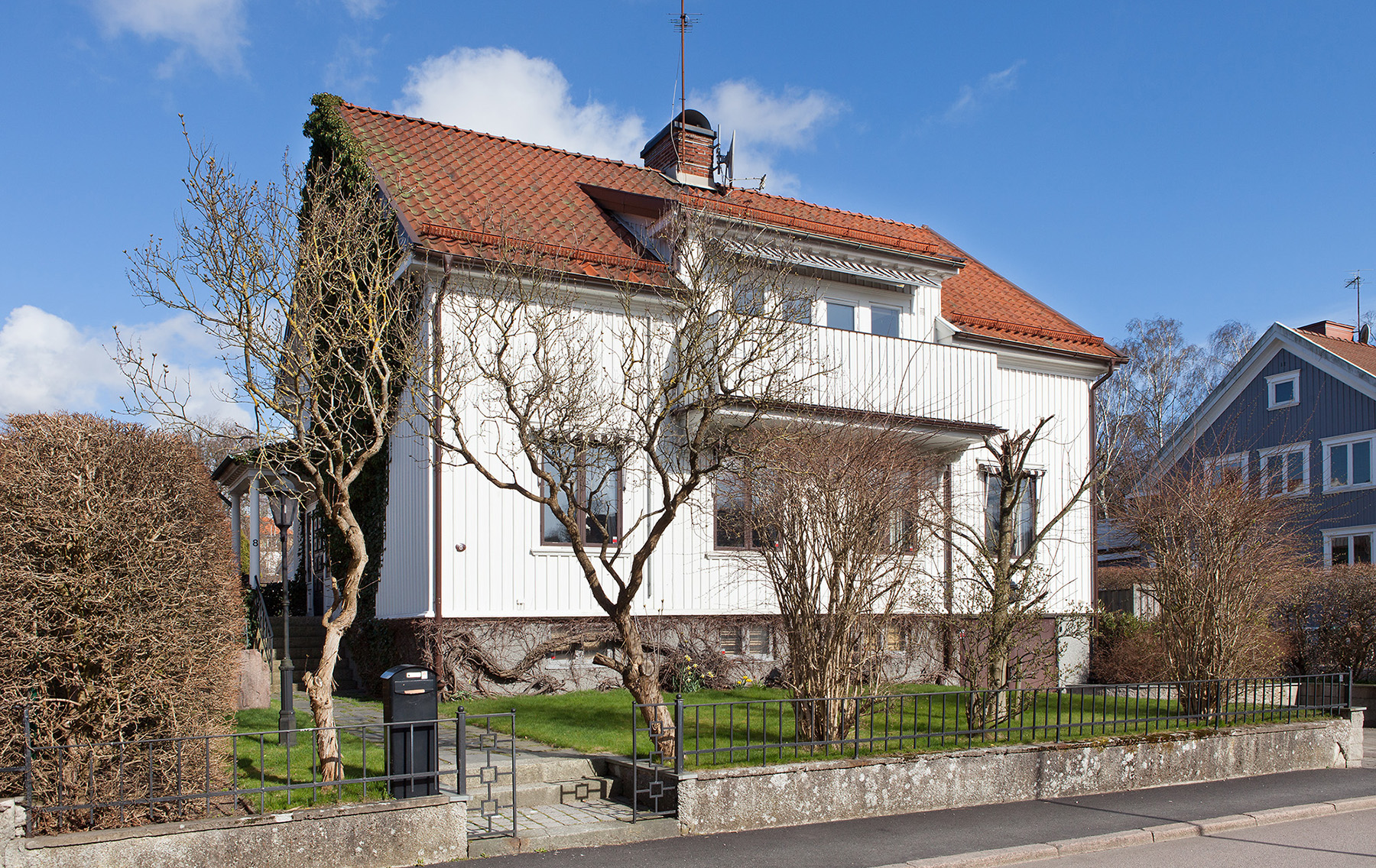 Single Family Home for Sale at Spacious home in Örgryte Humlegårdsgatan 8 Gothenburg, Vastra Gotaland, 41274 Sweden