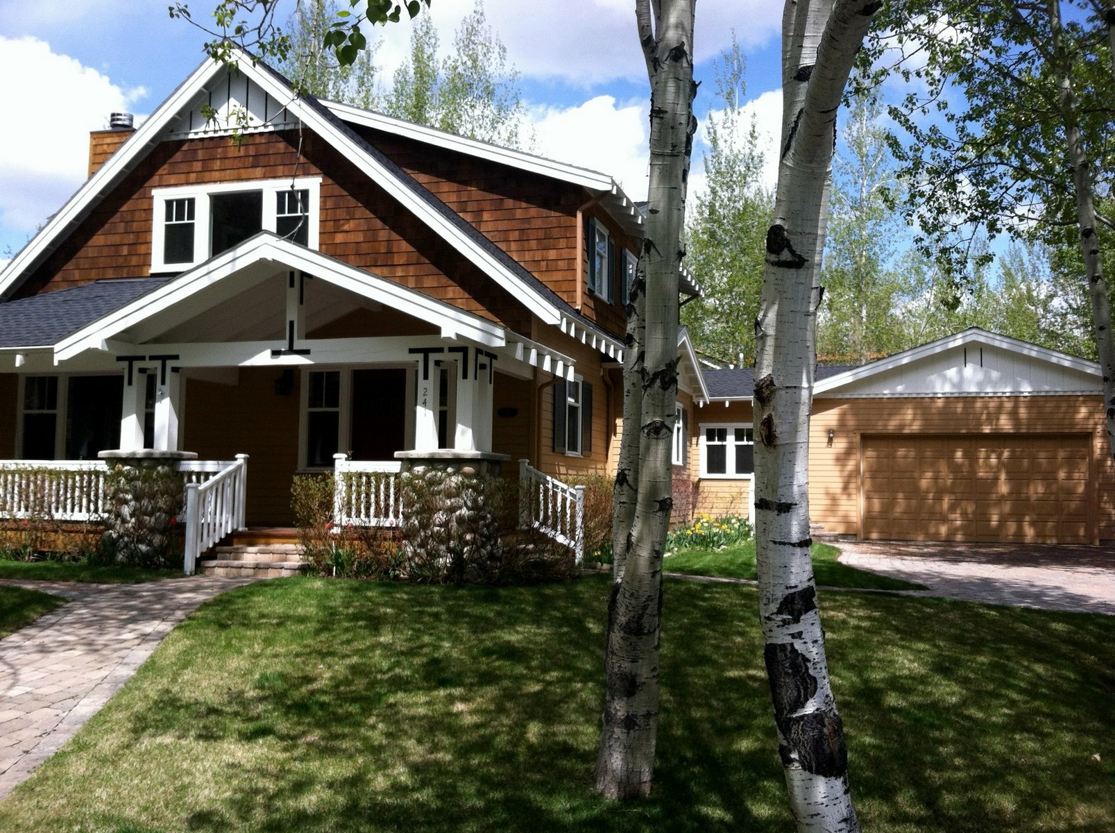 独户住宅 为 销售 在 Cedar Bend Craftsman 241 W Cedar St 黑利, 爱达荷州, 83333 美国
